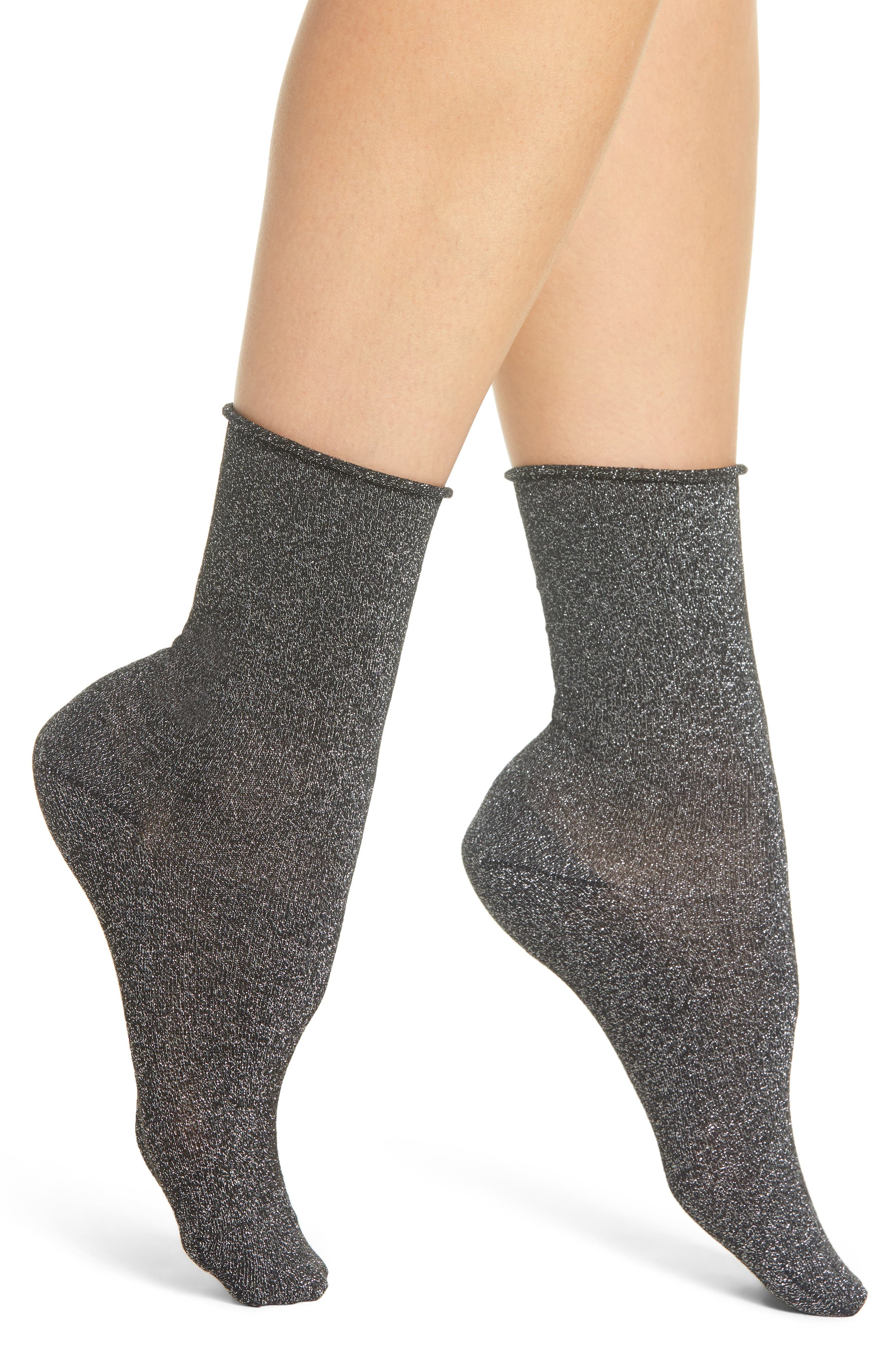 SARAH BORGHI, Carola Ankle Socks, Main thumbnail 1, color, NERO