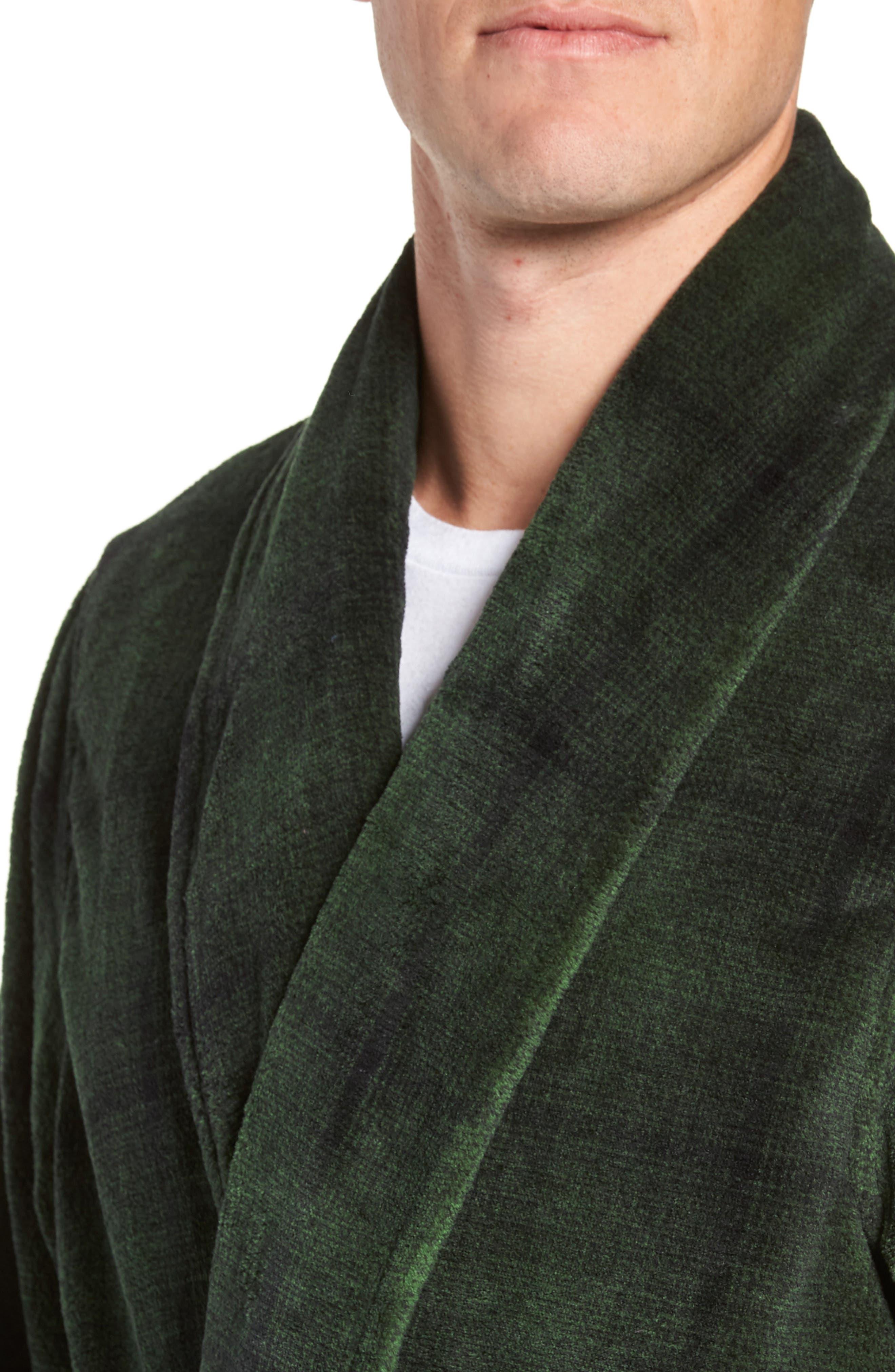 NORDSTROM MEN'S SHOP, Ombré Plaid Fleece Robe, Alternate thumbnail 4, color, GREEN - BLACK OMBRE PLAID