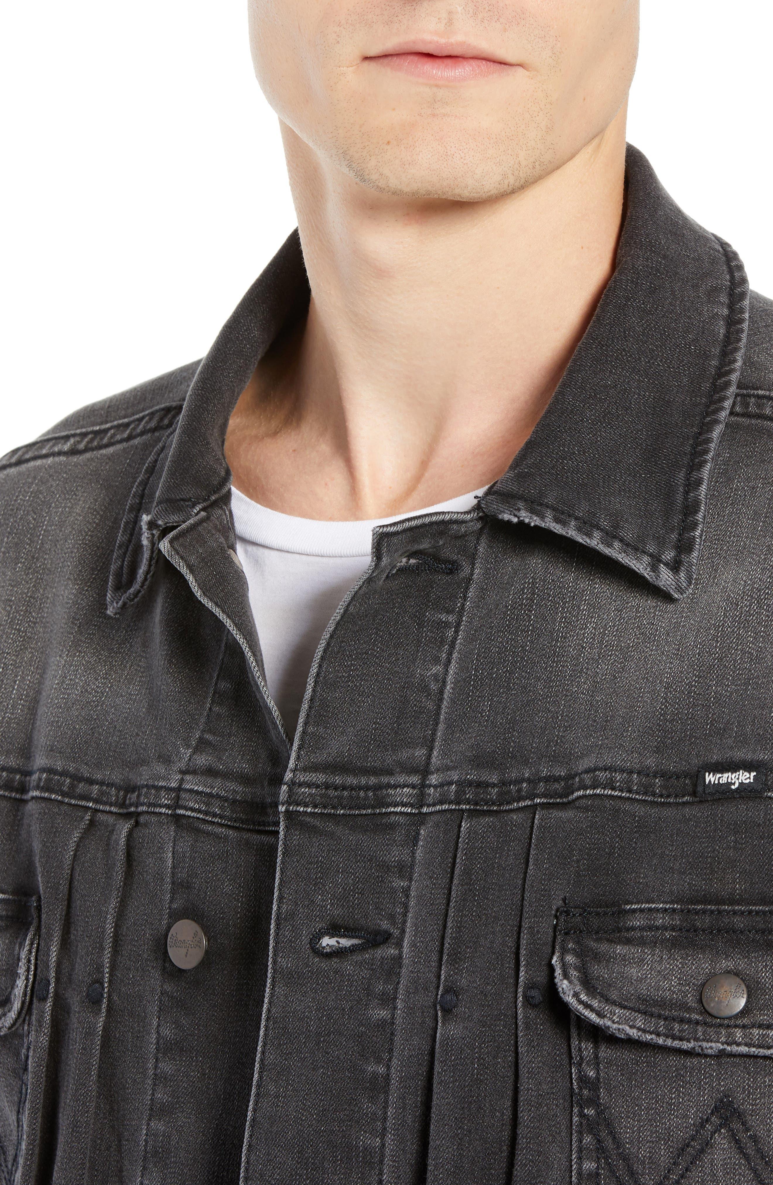 WRANGLER, Heritage Pleated Denim Jacket, Alternate thumbnail 5, color, 020