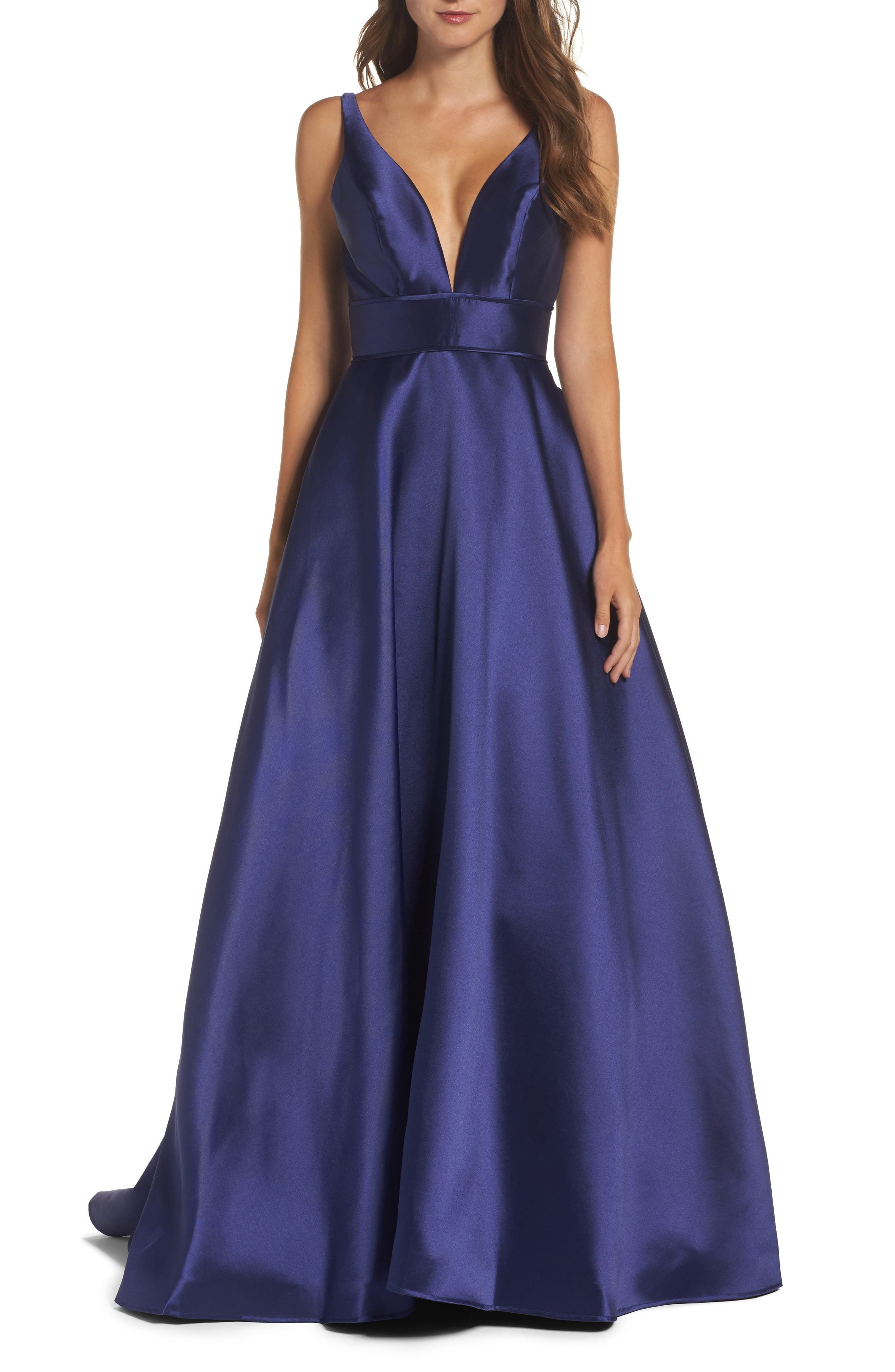 IEENA FOR MAC DUGGAL, Plunging Sweetheart Neck Ballgown, Main thumbnail 1, color, NAVY