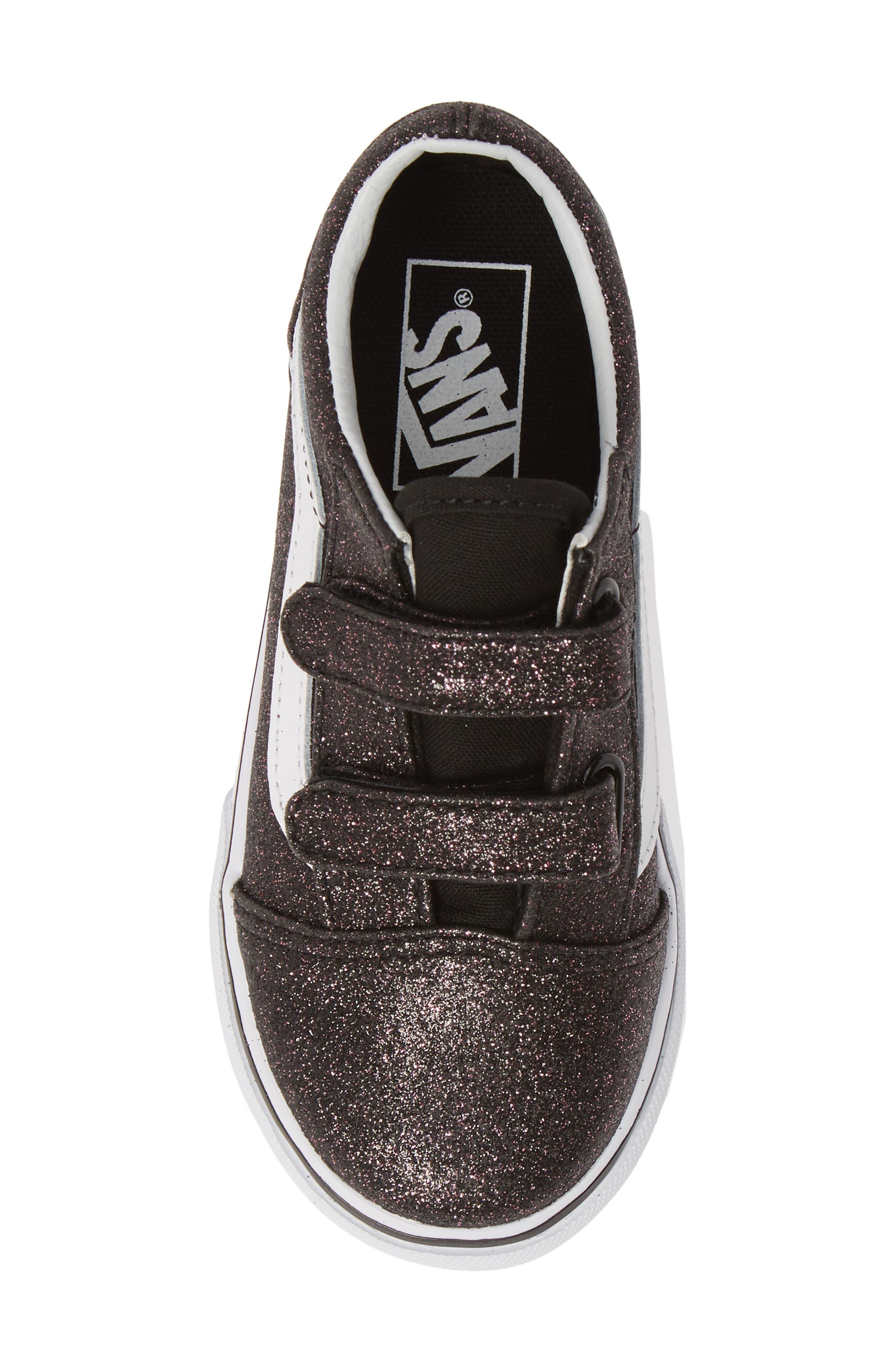 VANS, Old Skool V Glitter Sneaker, Alternate thumbnail 5, color, GLITTER STARS BLACK/ WHITE