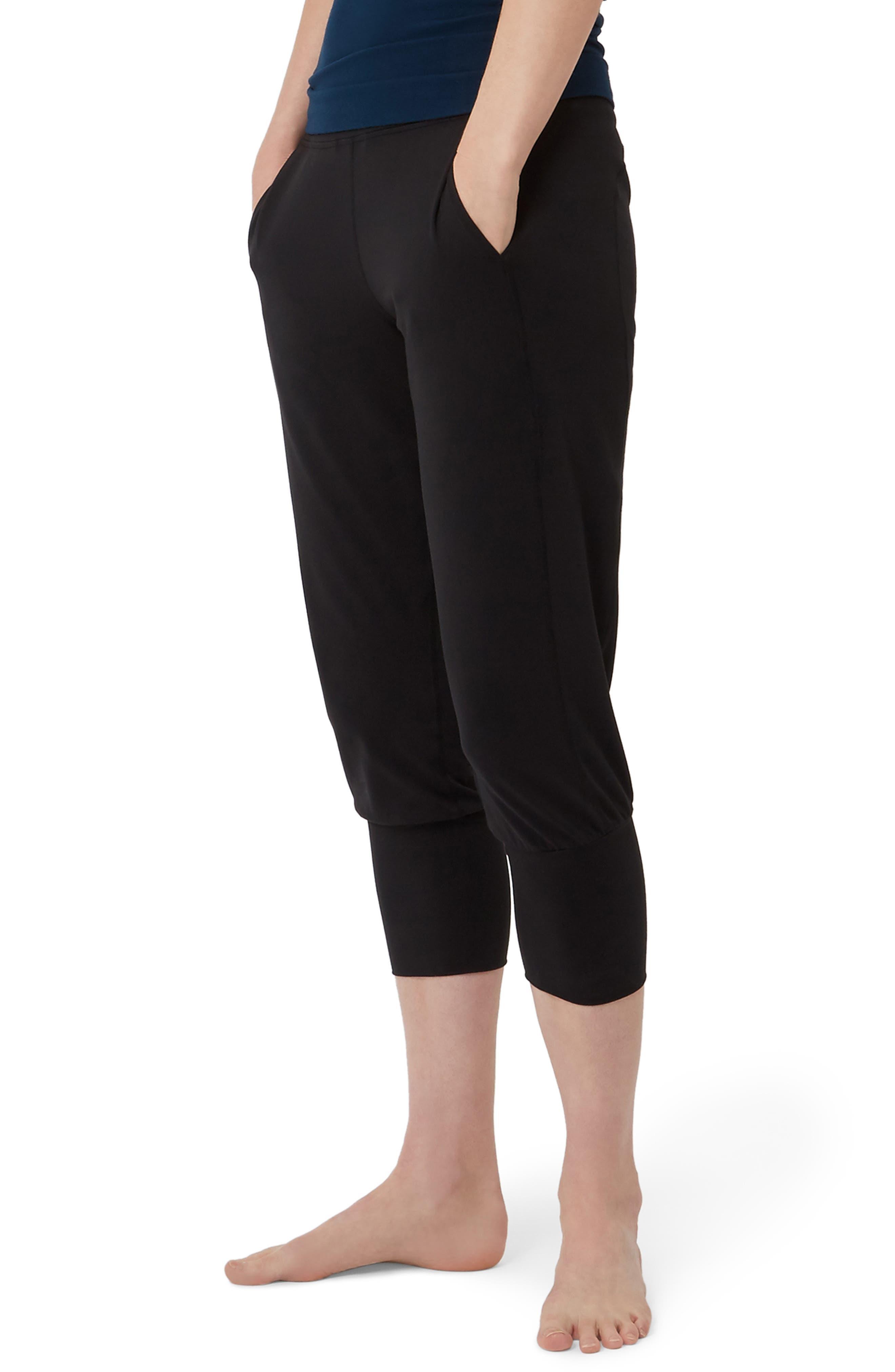 SWEATY BETTY, Garudasana Crop Yoga Trousers, Alternate thumbnail 4, color, BLACK