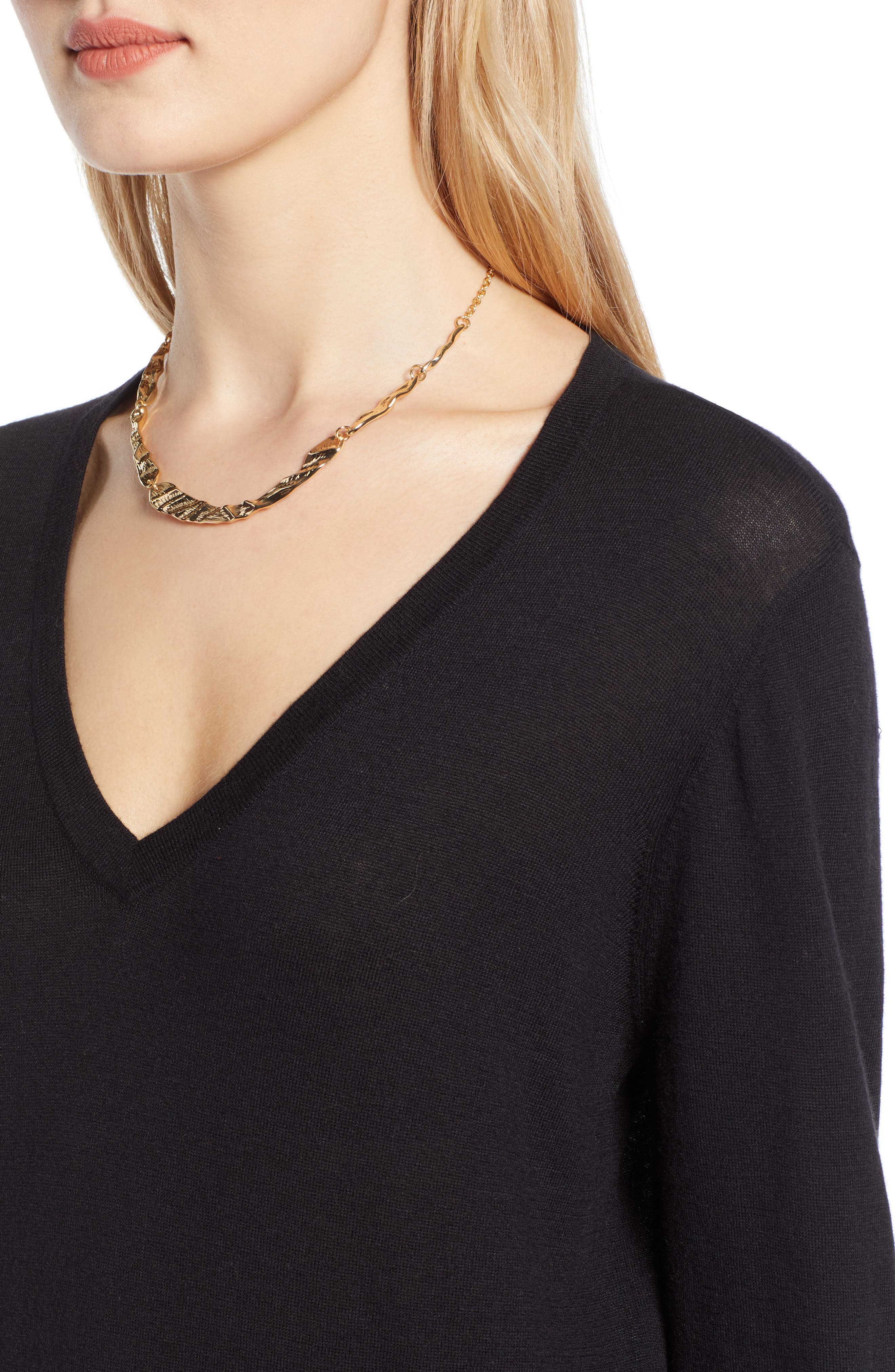HALOGEN<SUP>®</SUP>, Relaxed V-Neck Sweater, Alternate thumbnail 4, color, BLACK