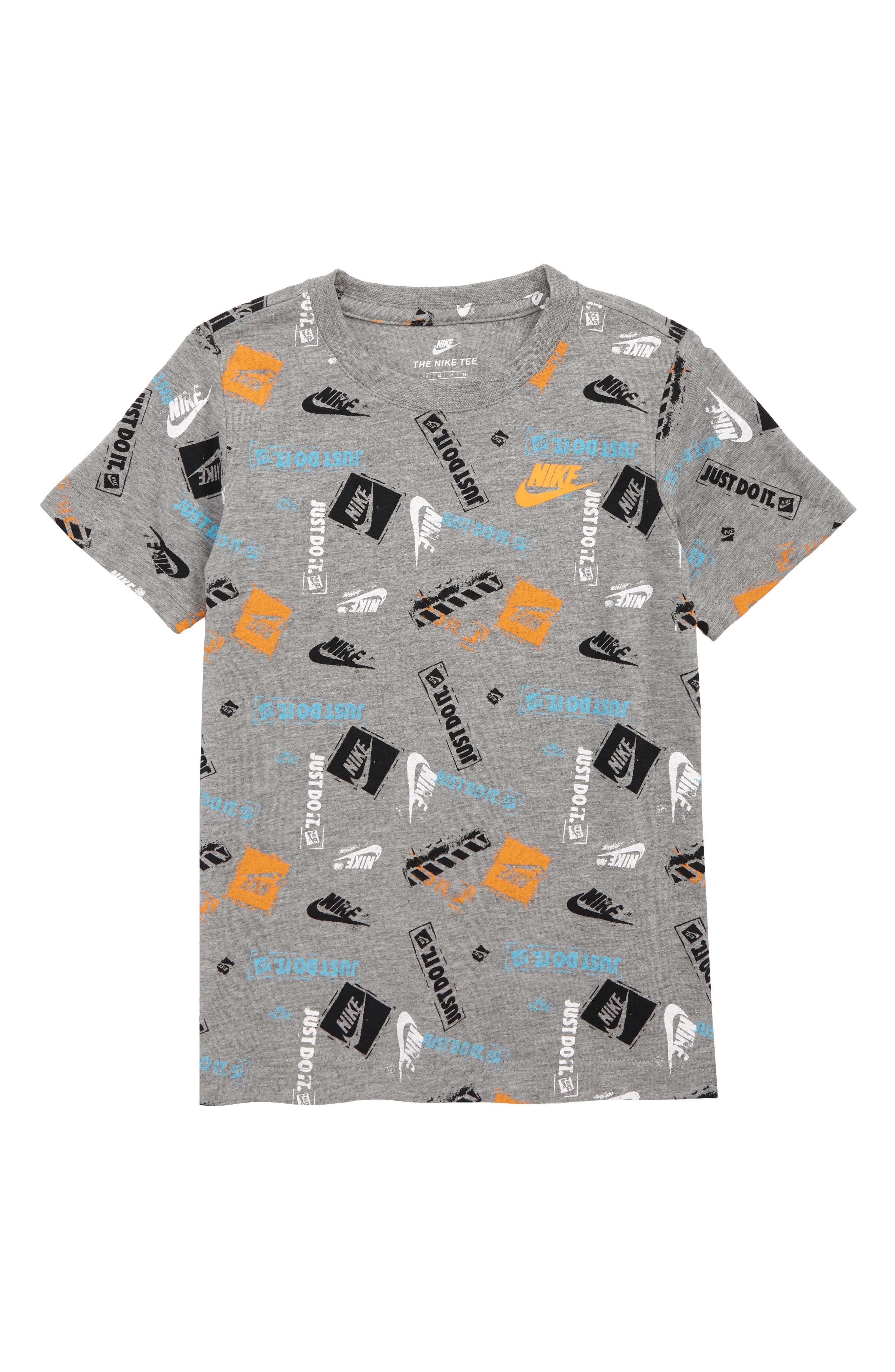 Boys Nike Logo Stamp TShirt Size 7  Grey