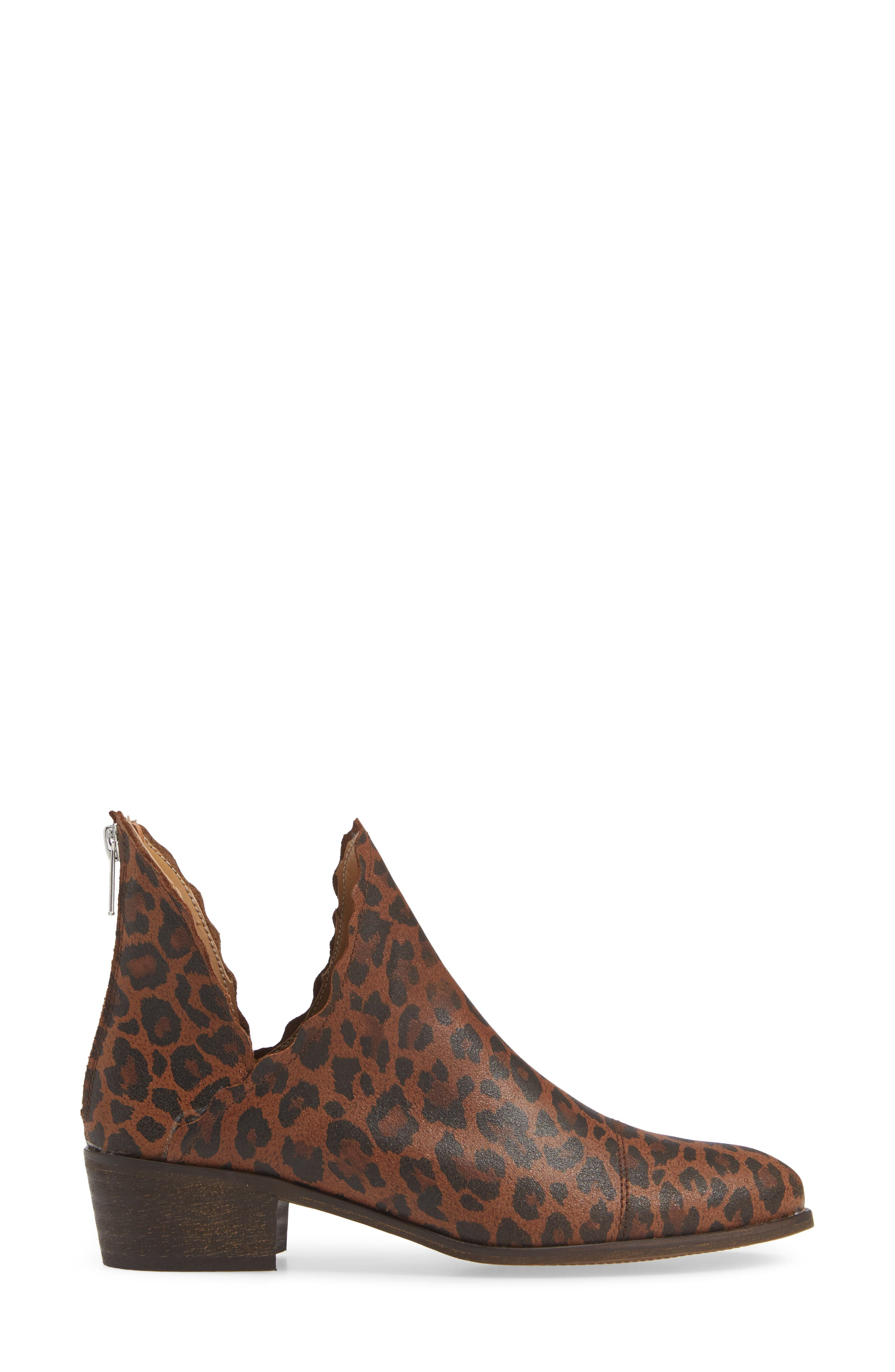 KLUB NICO, Bae Scalloped Bootie, Alternate thumbnail 3, color, LEOPARD SUEDE