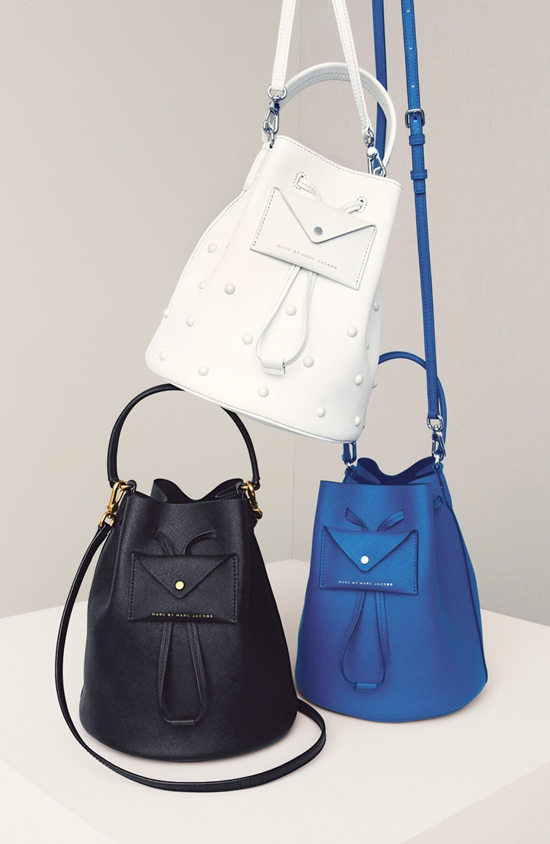 MARC JACOBS, MARC BY MARC JACOBS 'Metropoli' Studded Leather Bucket Bag, Alternate thumbnail 2, color, 001