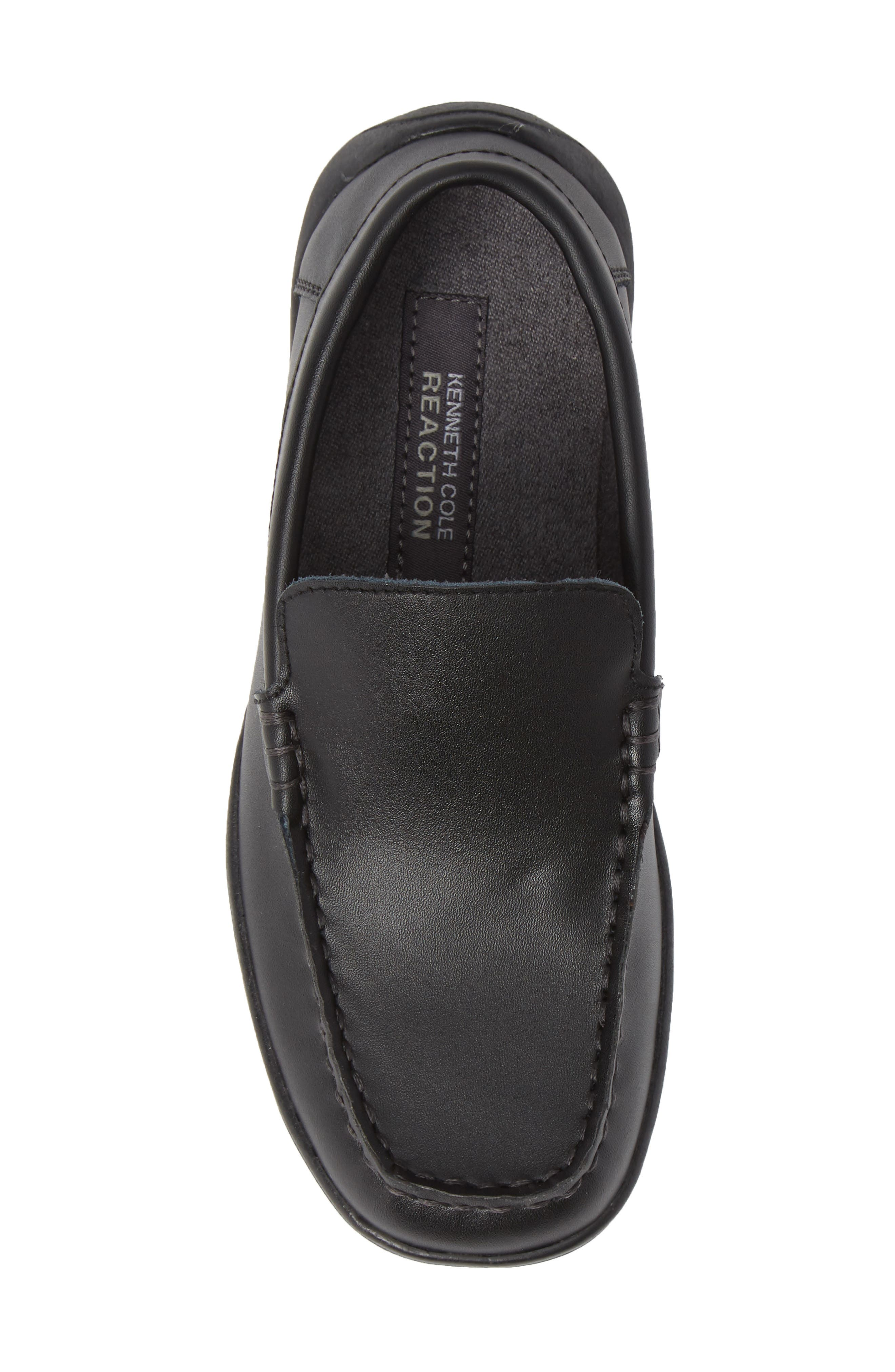 REACTION KENNETH COLE, Driving Dime Moccasin, Alternate thumbnail 5, color, DARK BLACK LEATHER