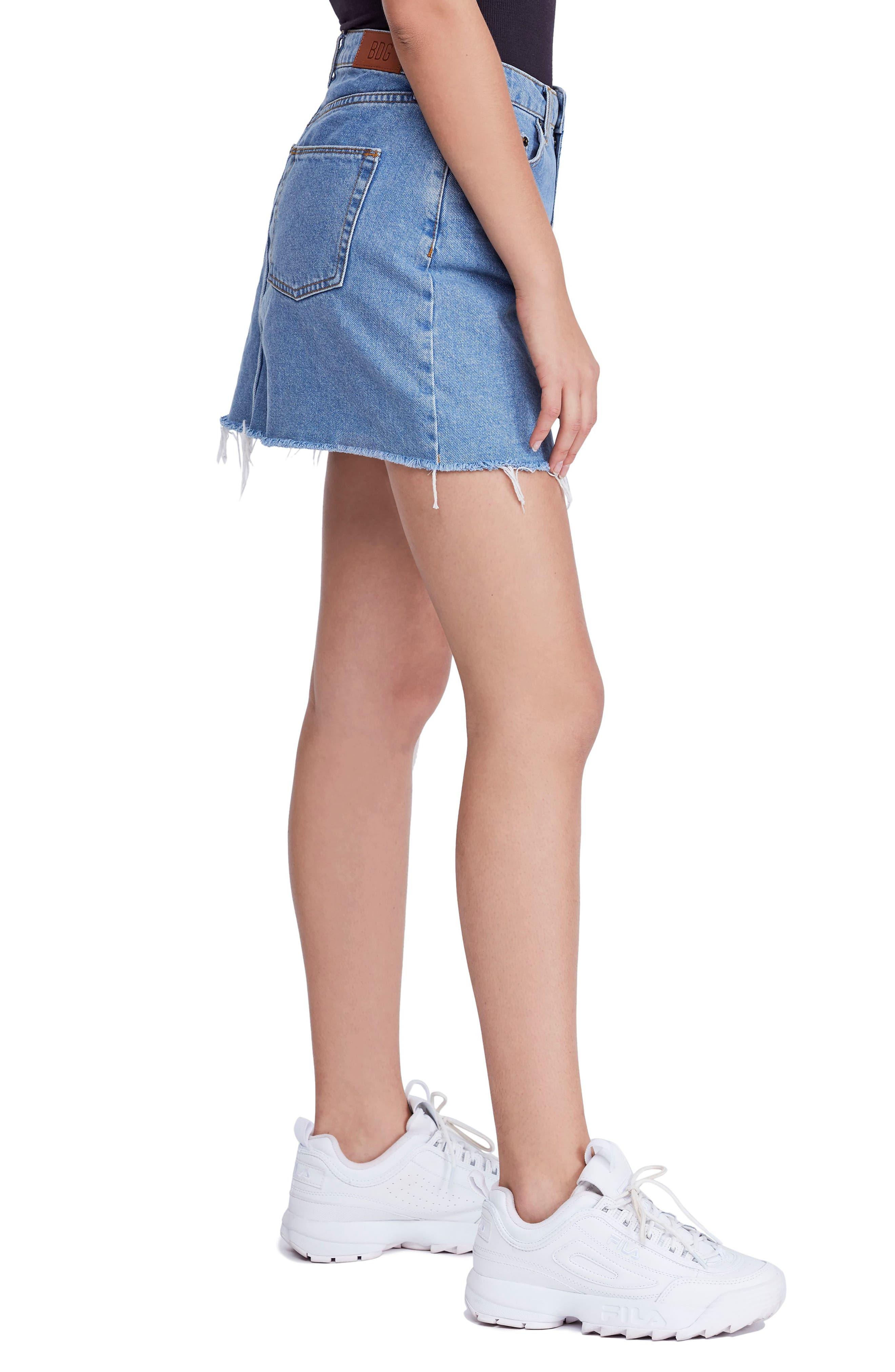 BDG, Urban Outfitters Denim Raw Edge Miniskirt, Alternate thumbnail 4, color, 400