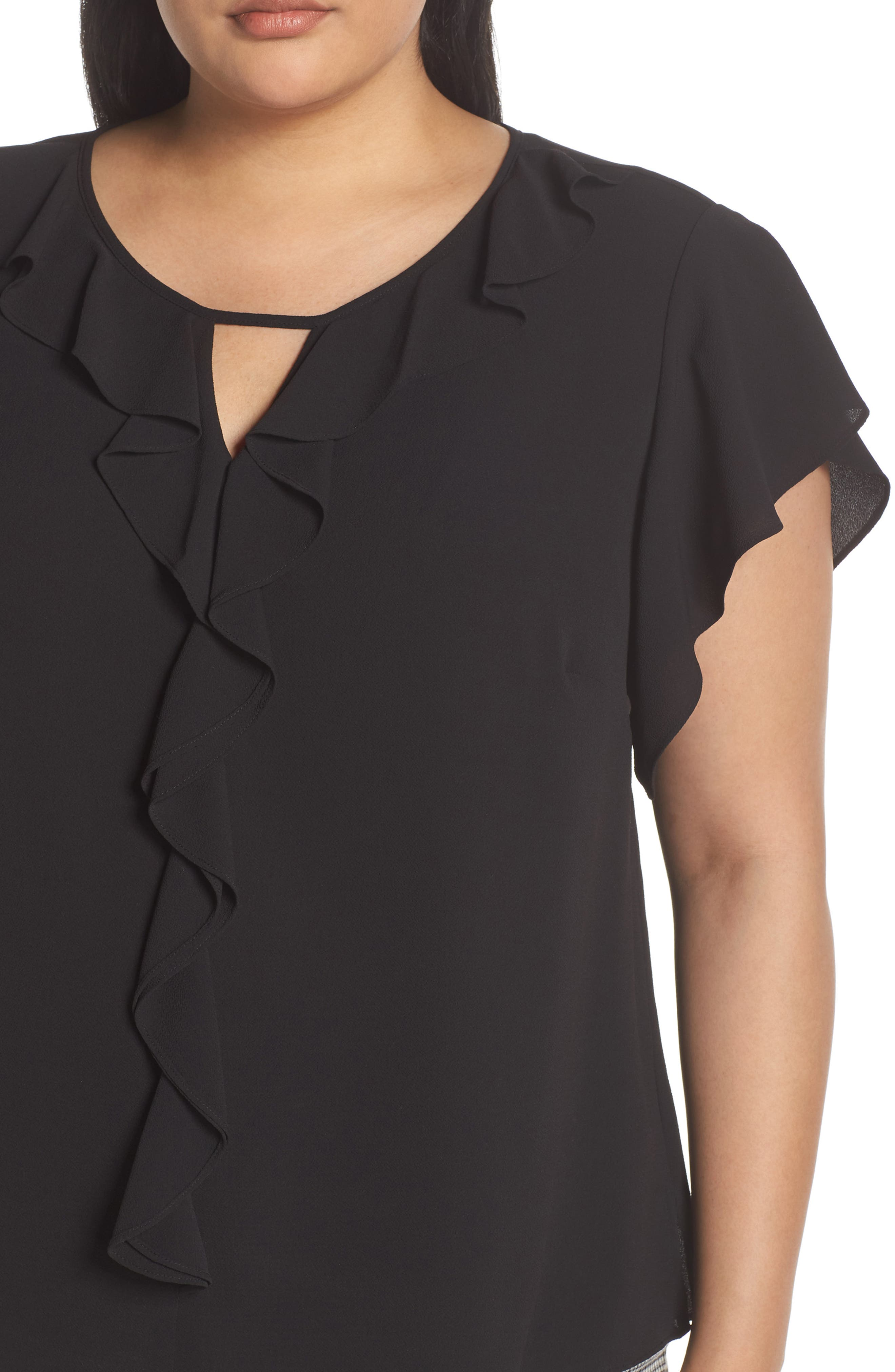 VINCE CAMUTO, Ruffle Flutter Sleeve Top, Alternate thumbnail 4, color, RICH BLACK