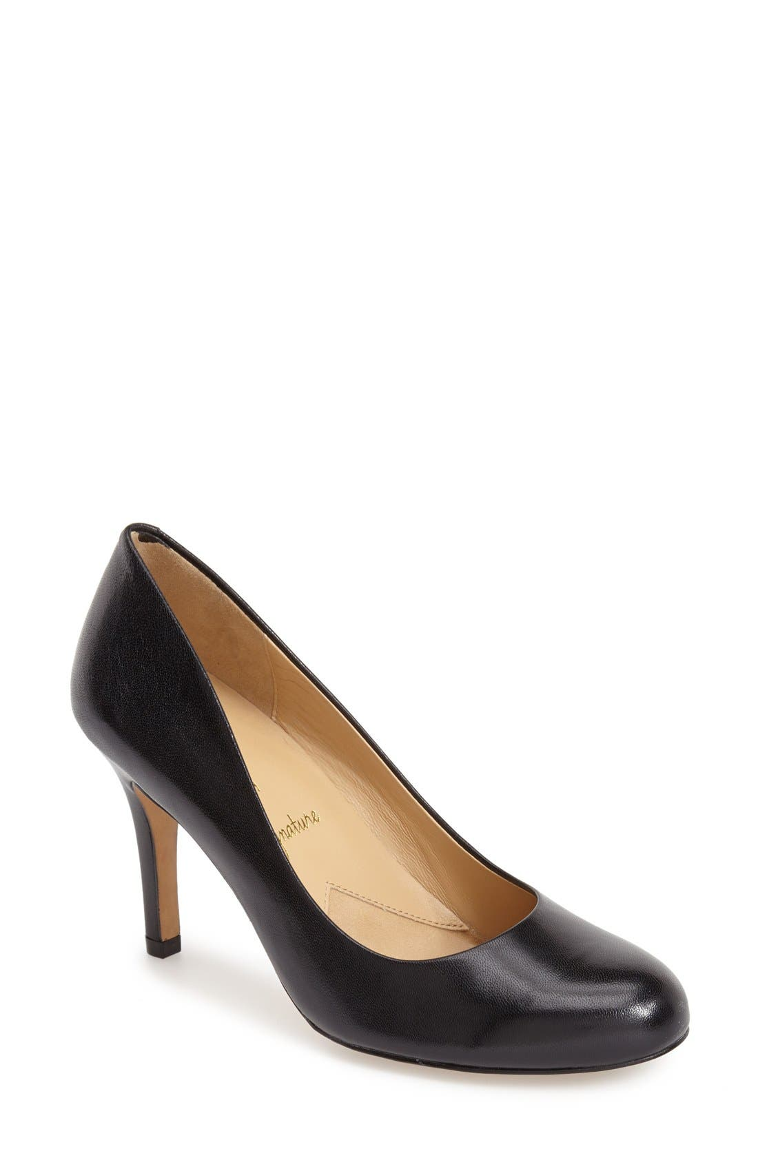 TROTTERS, 'Signature Gigi' Round Toe Pump, Main thumbnail 1, color, BLACK