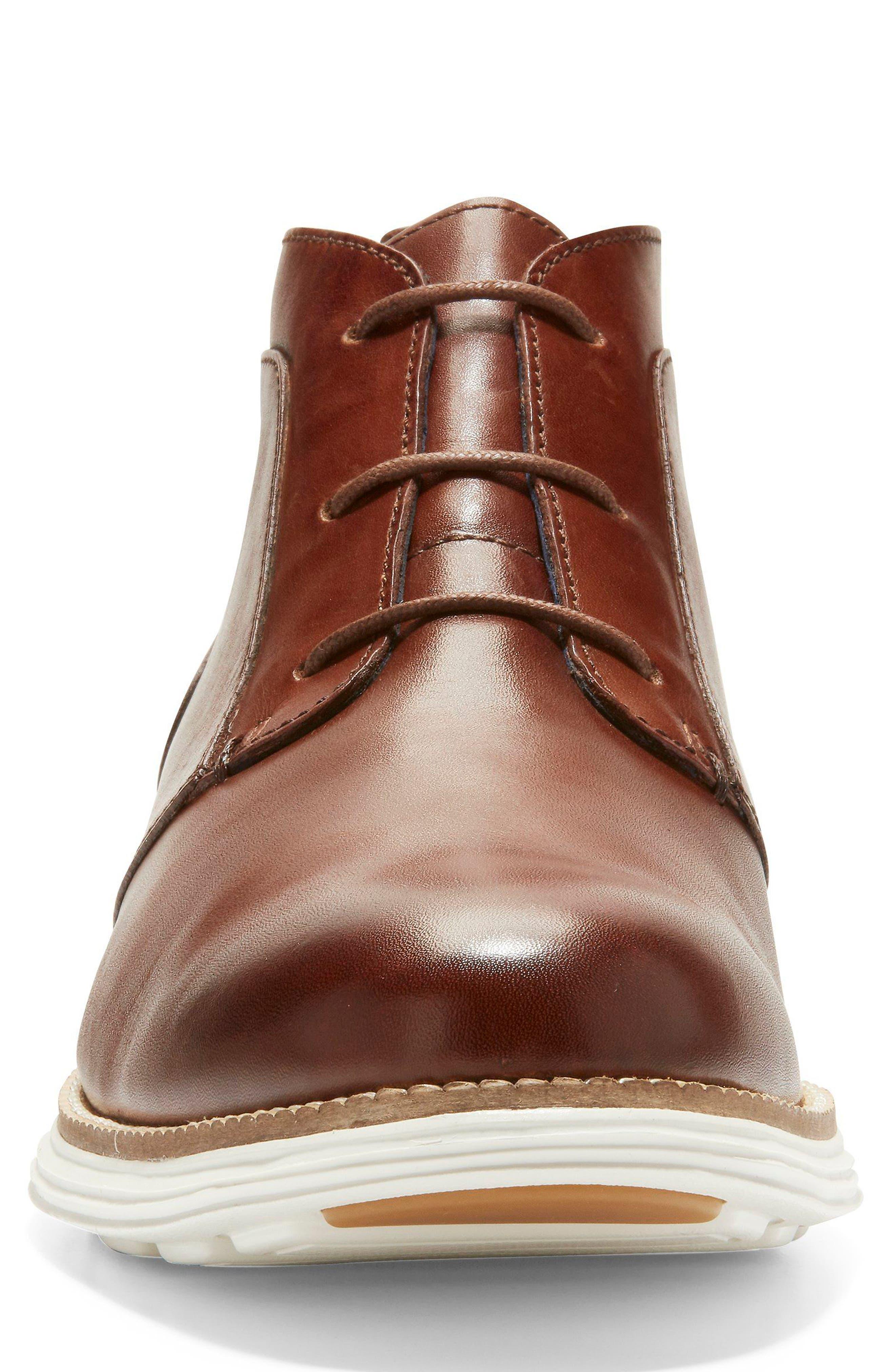 COLE HAAN, Original Grand Chukka Boot, Alternate thumbnail 4, color, 200