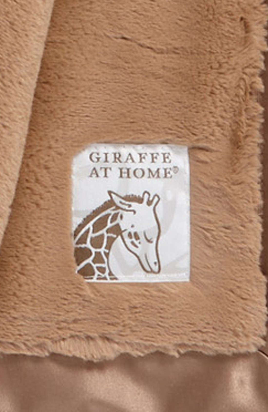 GIRAFFE AT HOME, Luxe<sup>™</sup> Throw, Alternate thumbnail 3, color, CHARCOAL