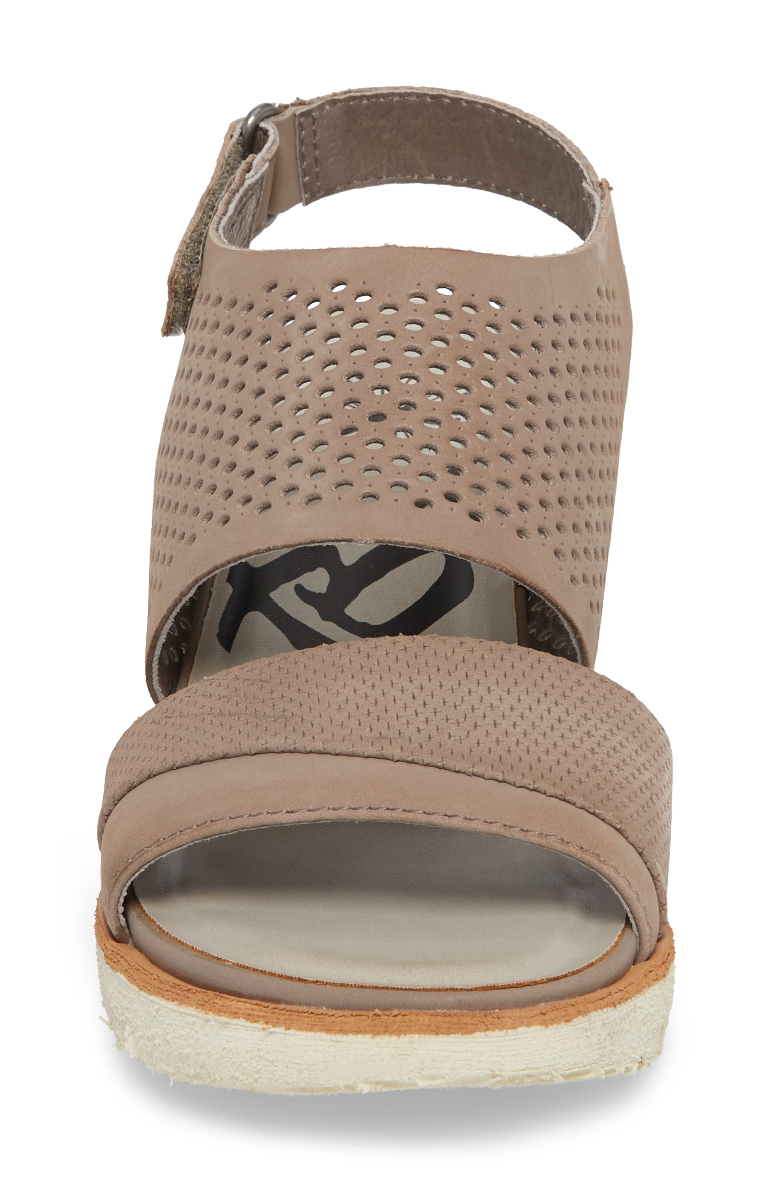 OTBT, Milky Way Wedge Sandal, Alternate thumbnail 4, color, COCOA LEATHER
