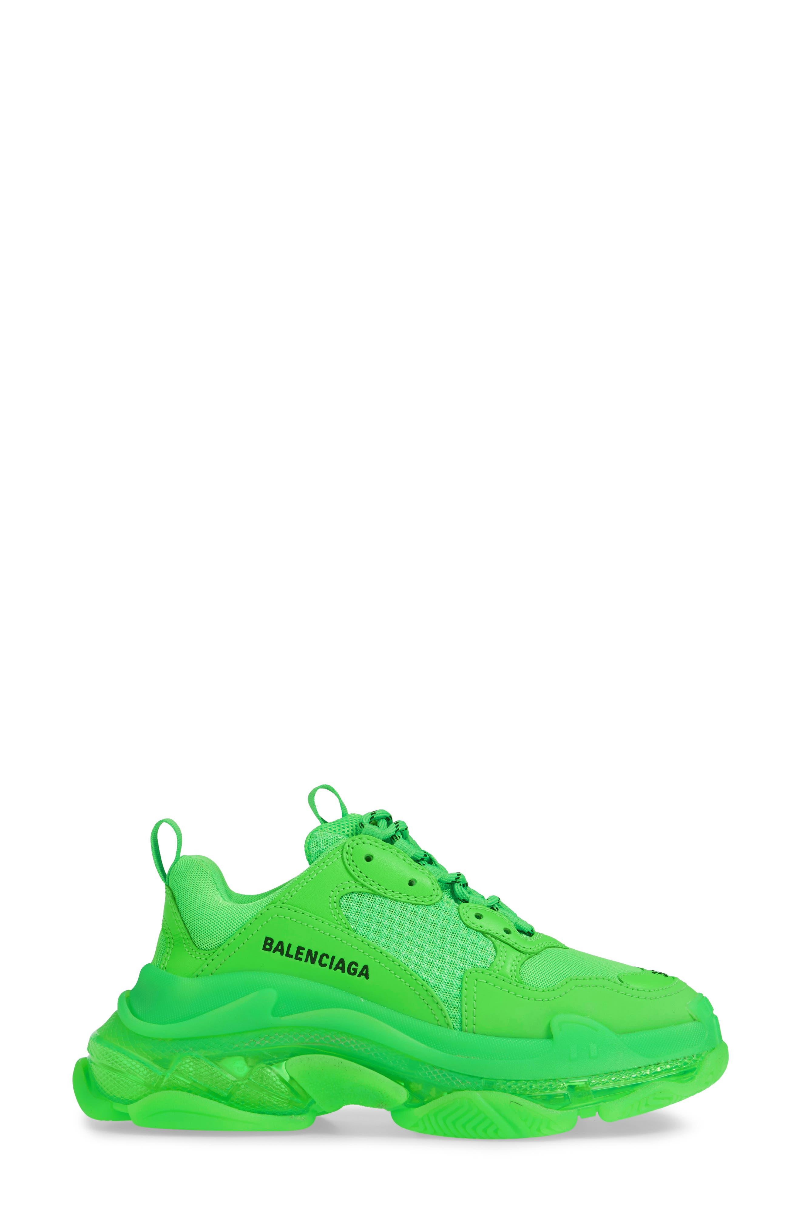 BALENCIAGA, Triple S Low Top Sneaker, Alternate thumbnail 3, color, GREEN FLUO