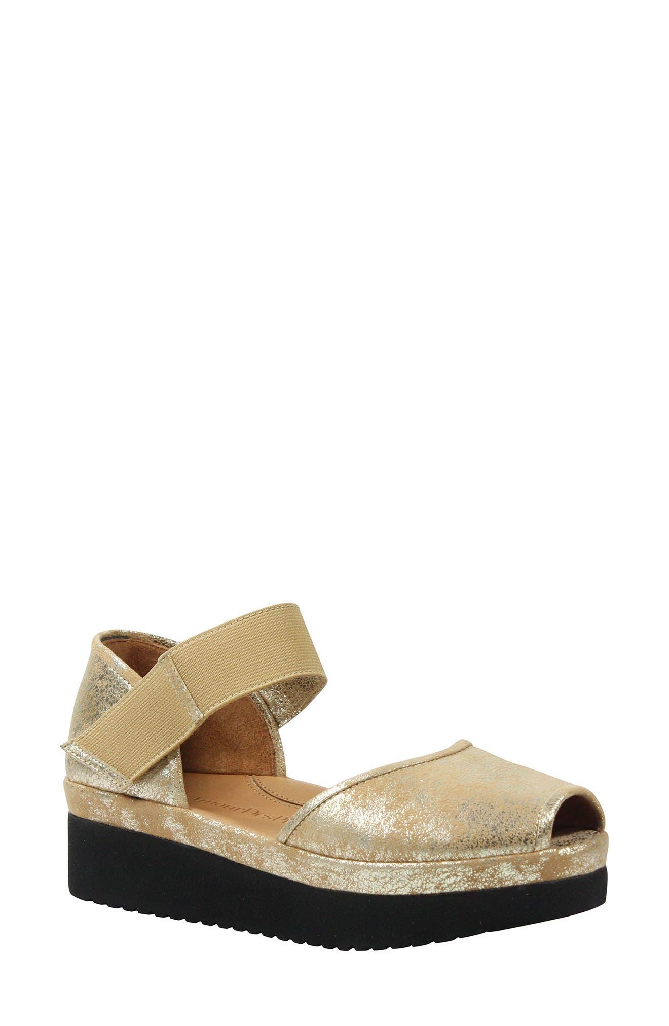 L'AMOUR DES PIEDS, 'Amadour' Platform Sandal, Main thumbnail 1, color, GOLD LEATHER