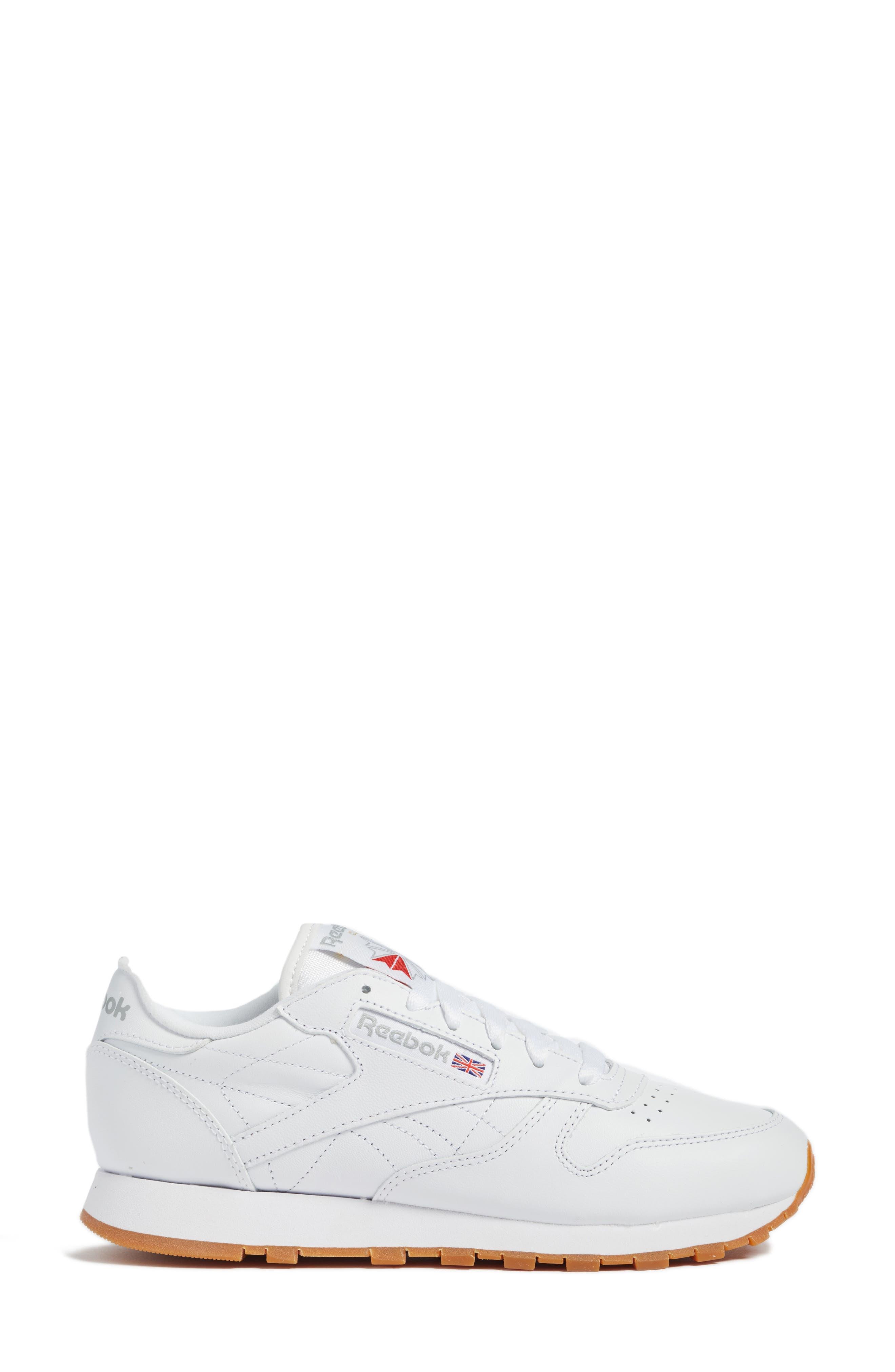 REEBOK, Classic Leather Sneaker, Alternate thumbnail 3, color, US-WHITE/ GUM