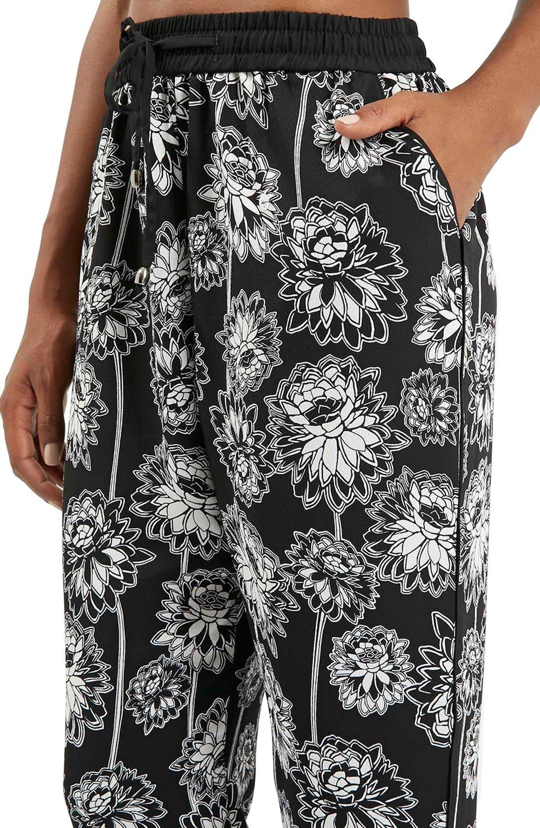 TOPSHOP, 'Shoto' Woven Floral Pants, Alternate thumbnail 2, color, 001