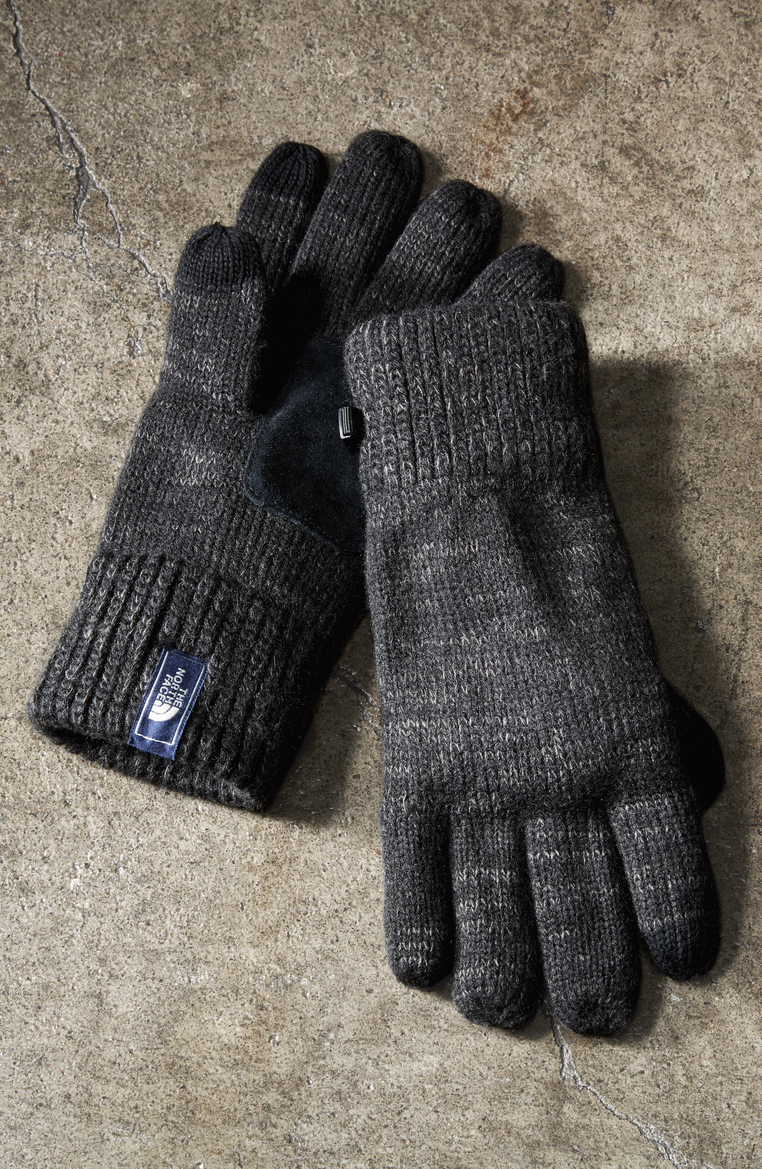 THE NORTH FACE, Etip Salty Dog Knit Tech Gloves, Alternate thumbnail 4, color, 001
