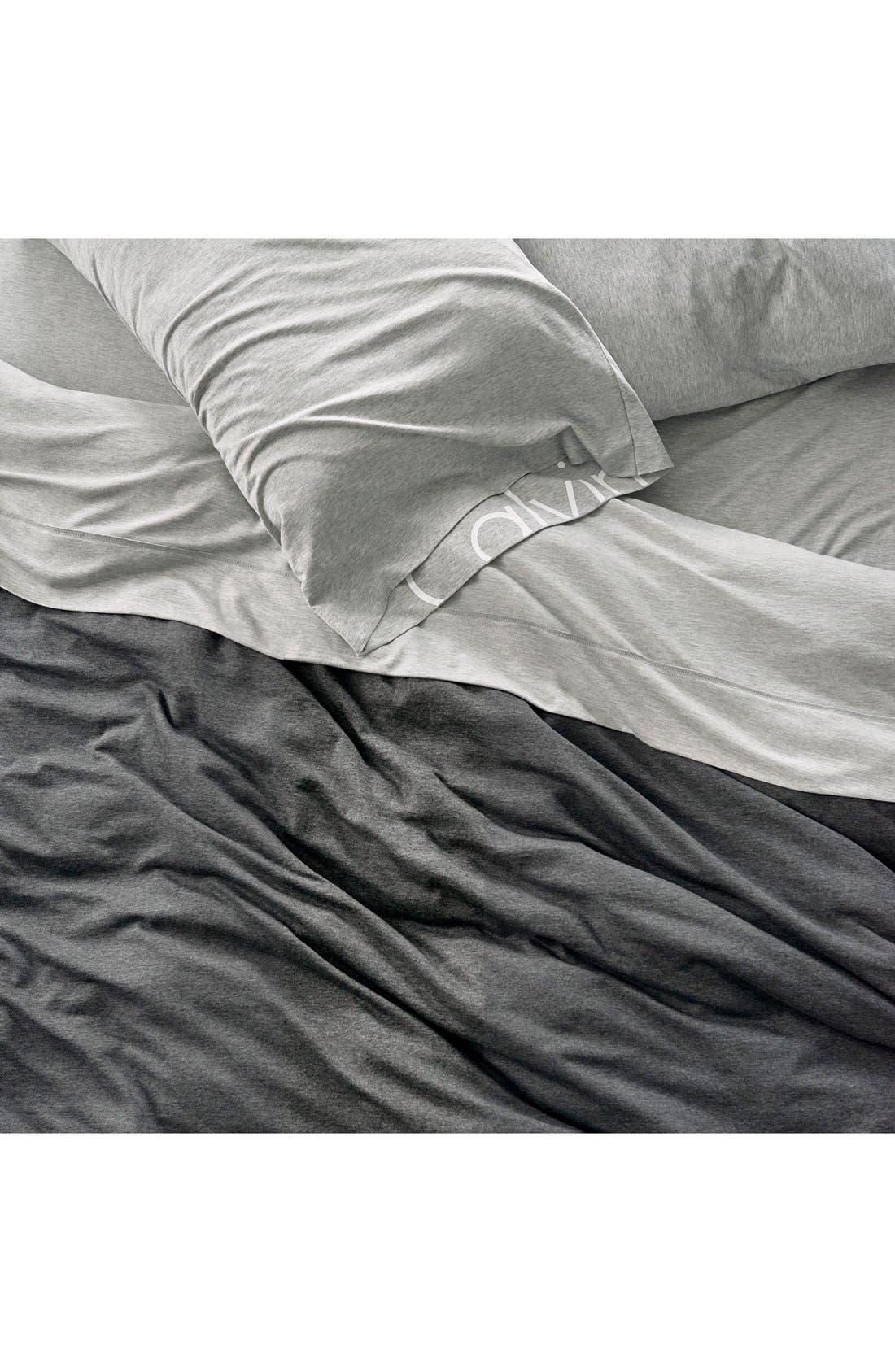 CALVIN KLEIN HOME, Modern Cotton Collection Cotton & Modal Fitted Sheet, Alternate thumbnail 4, color, GREY