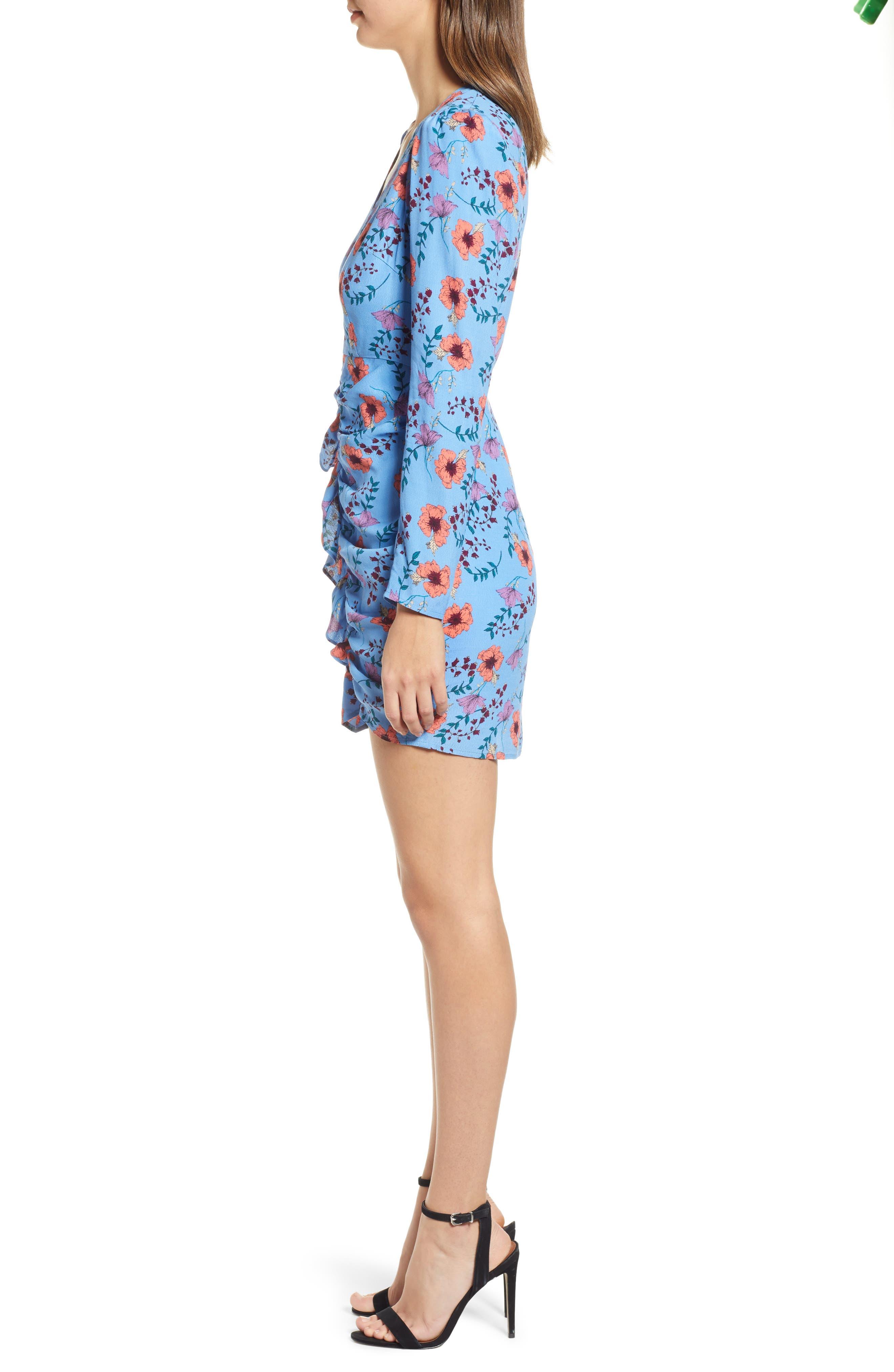 ASTR THE LABEL, Floral Print Ruched Dress, Alternate thumbnail 4, color, BLUE MULTI FLORAL