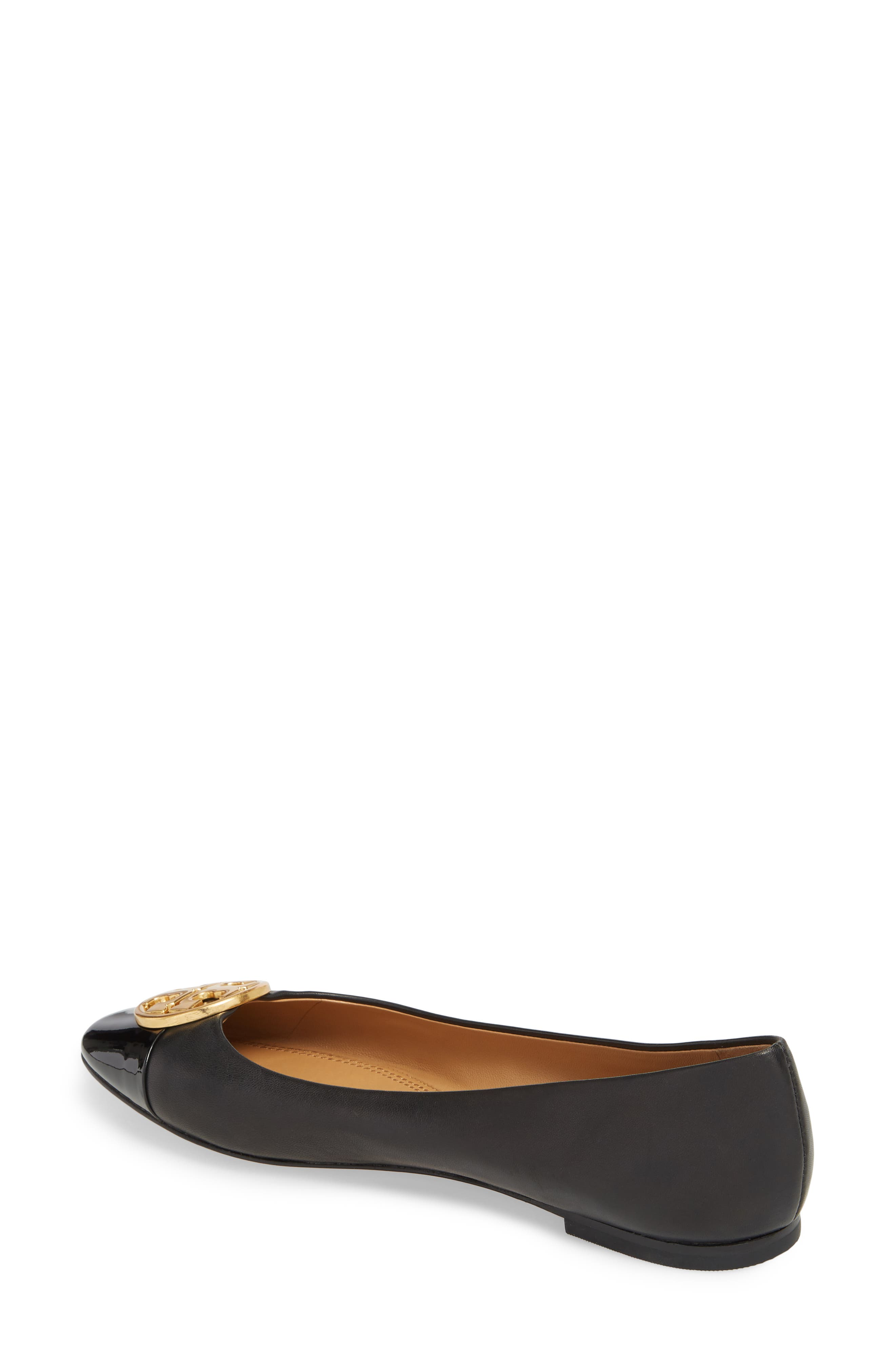 TORY BURCH, Chelsea Cap Toe Ballet Flat, Alternate thumbnail 2, color, BLACK