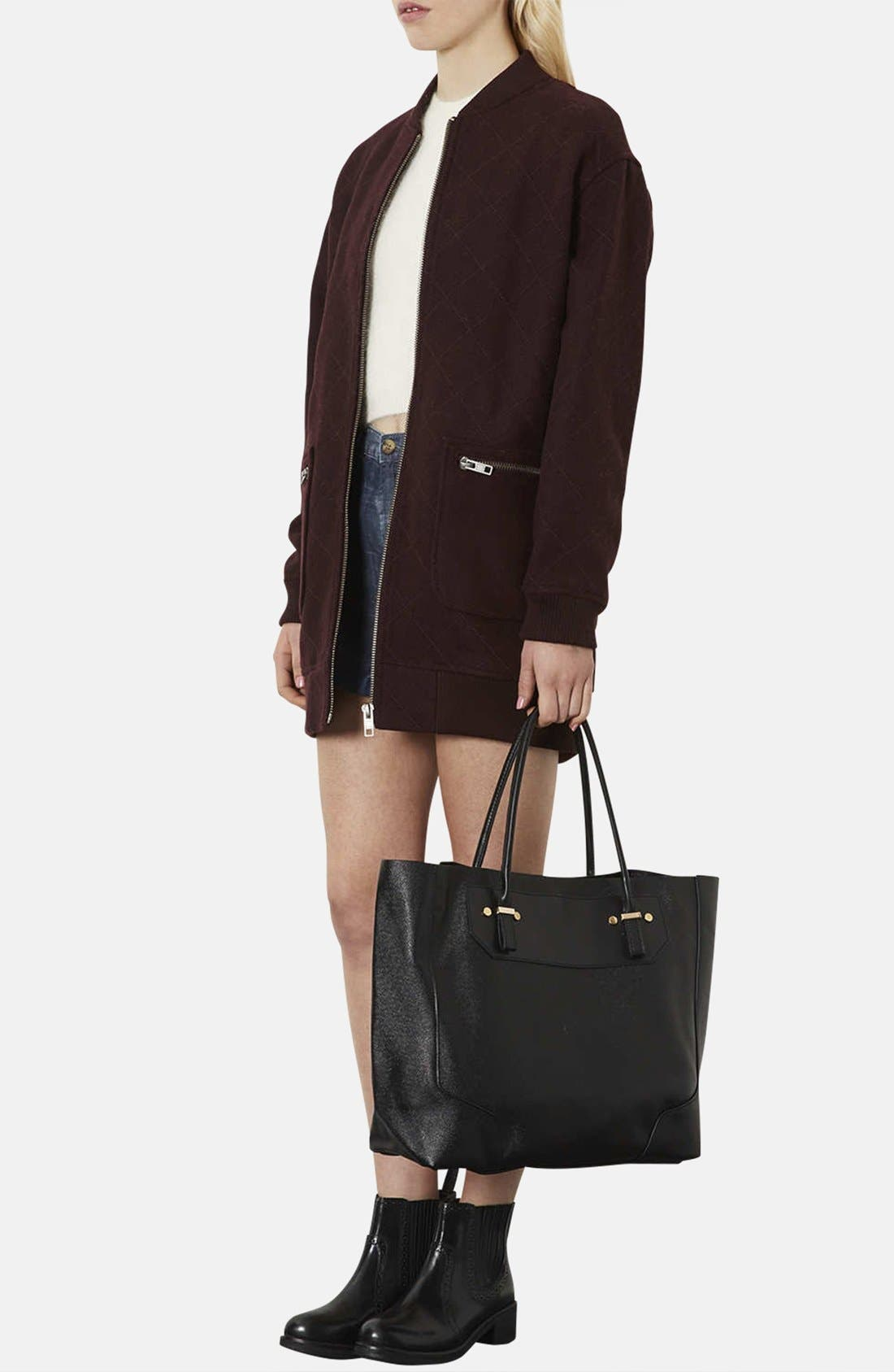TOPSHOP, Faux Leather Tote, Alternate thumbnail 4, color, 001