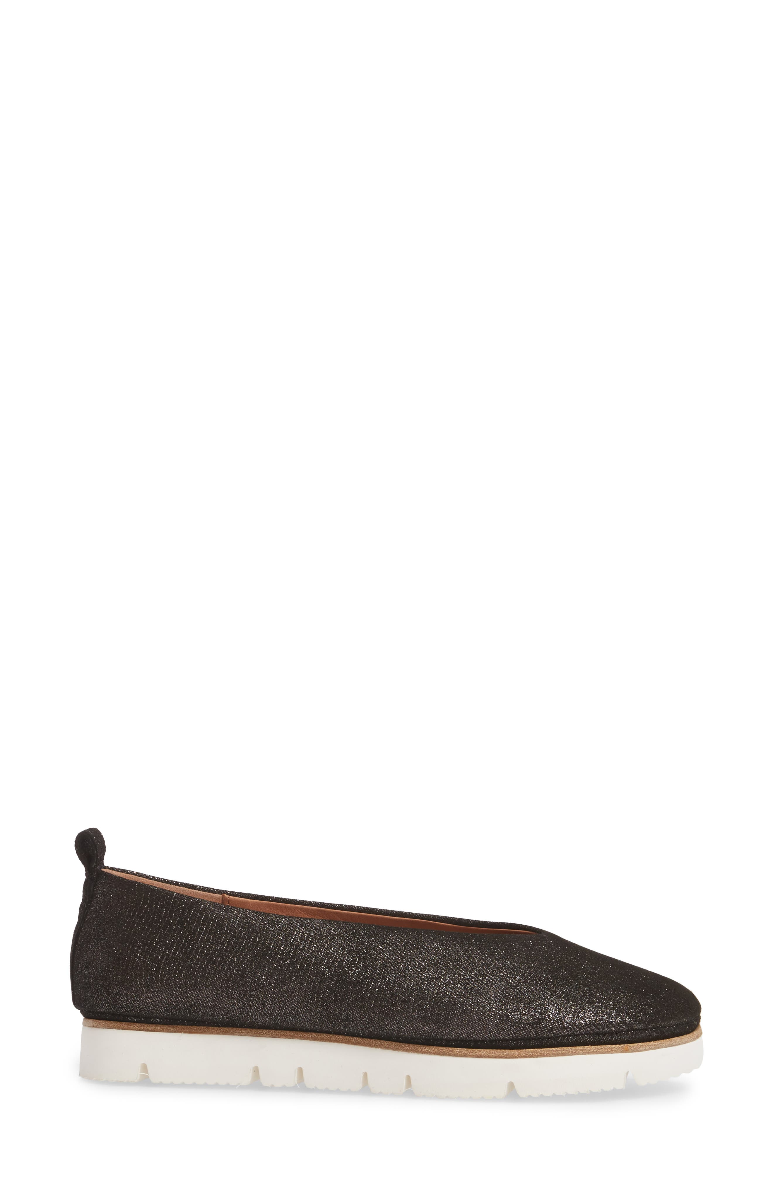GENTLE SOULS BY KENNETH COLE, Demi Flat, Alternate thumbnail 3, color, BLACK EMBOSSED LEATHER