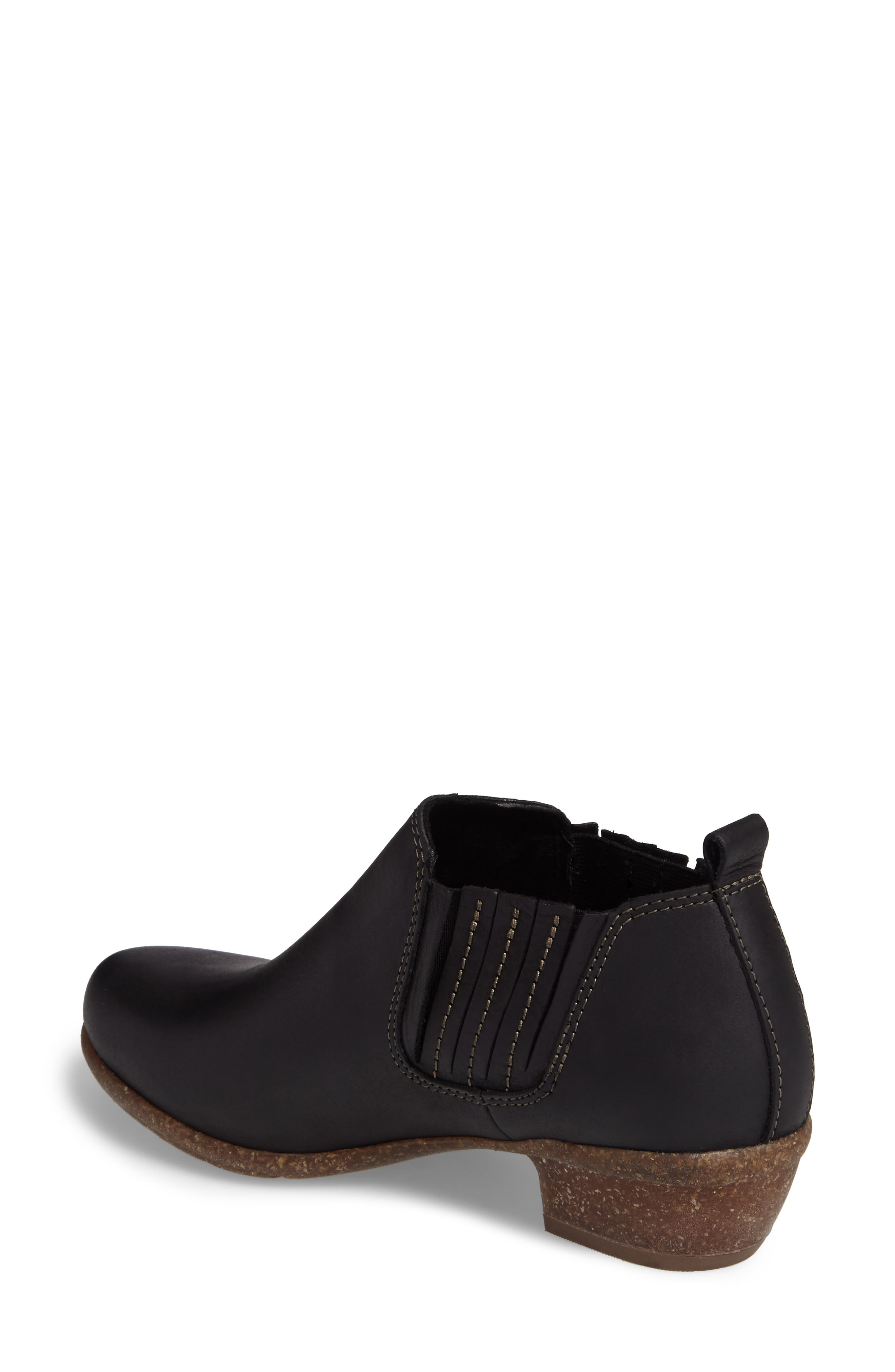 CLARKS<SUP>®</SUP>, Wilrose Jade Low Chelsea Bootie, Alternate thumbnail 2, color, 001