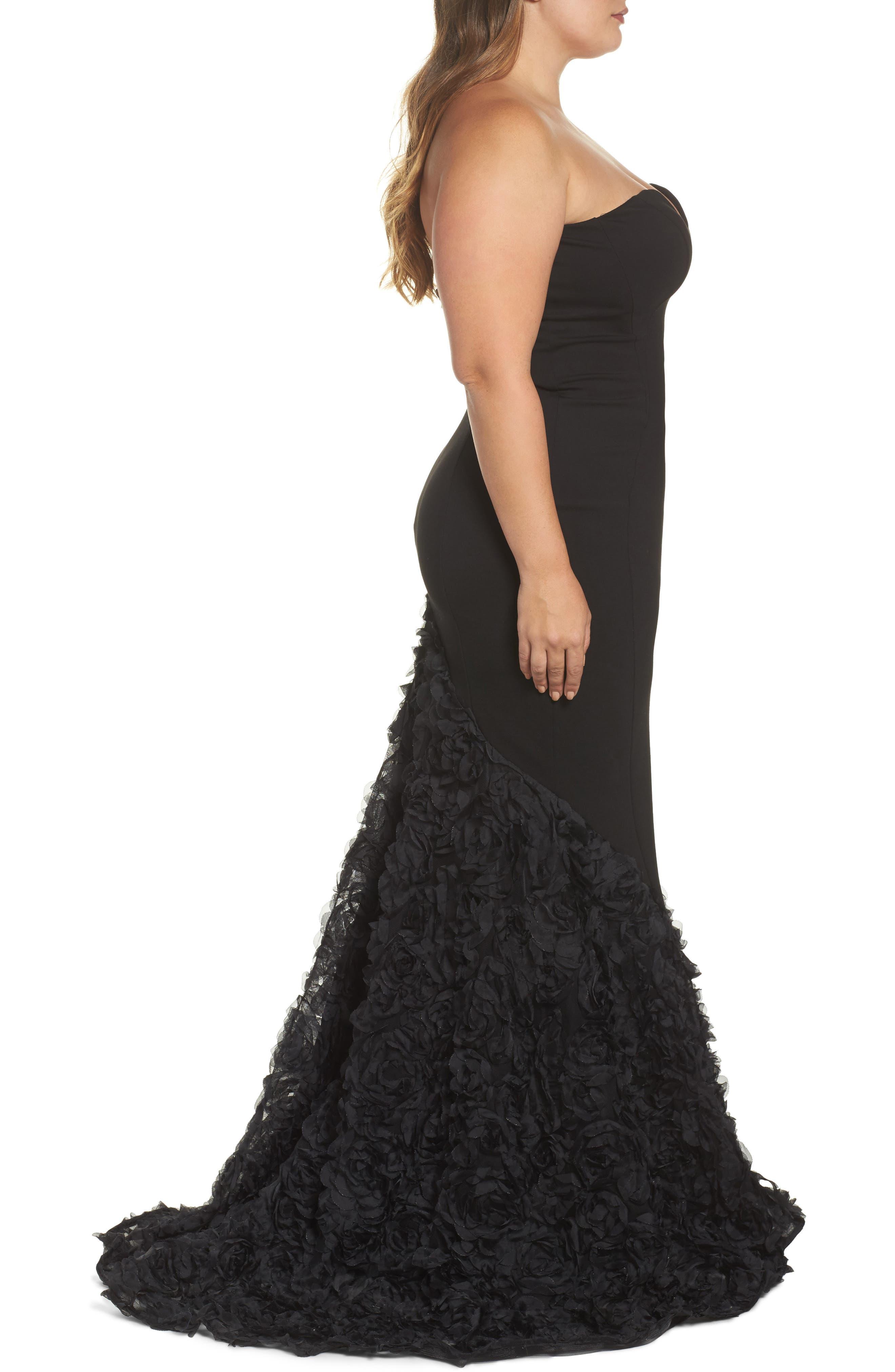 MAC DUGGAL, Strapless Bustier Rosette Gown, Alternate thumbnail 3, color, BLACK