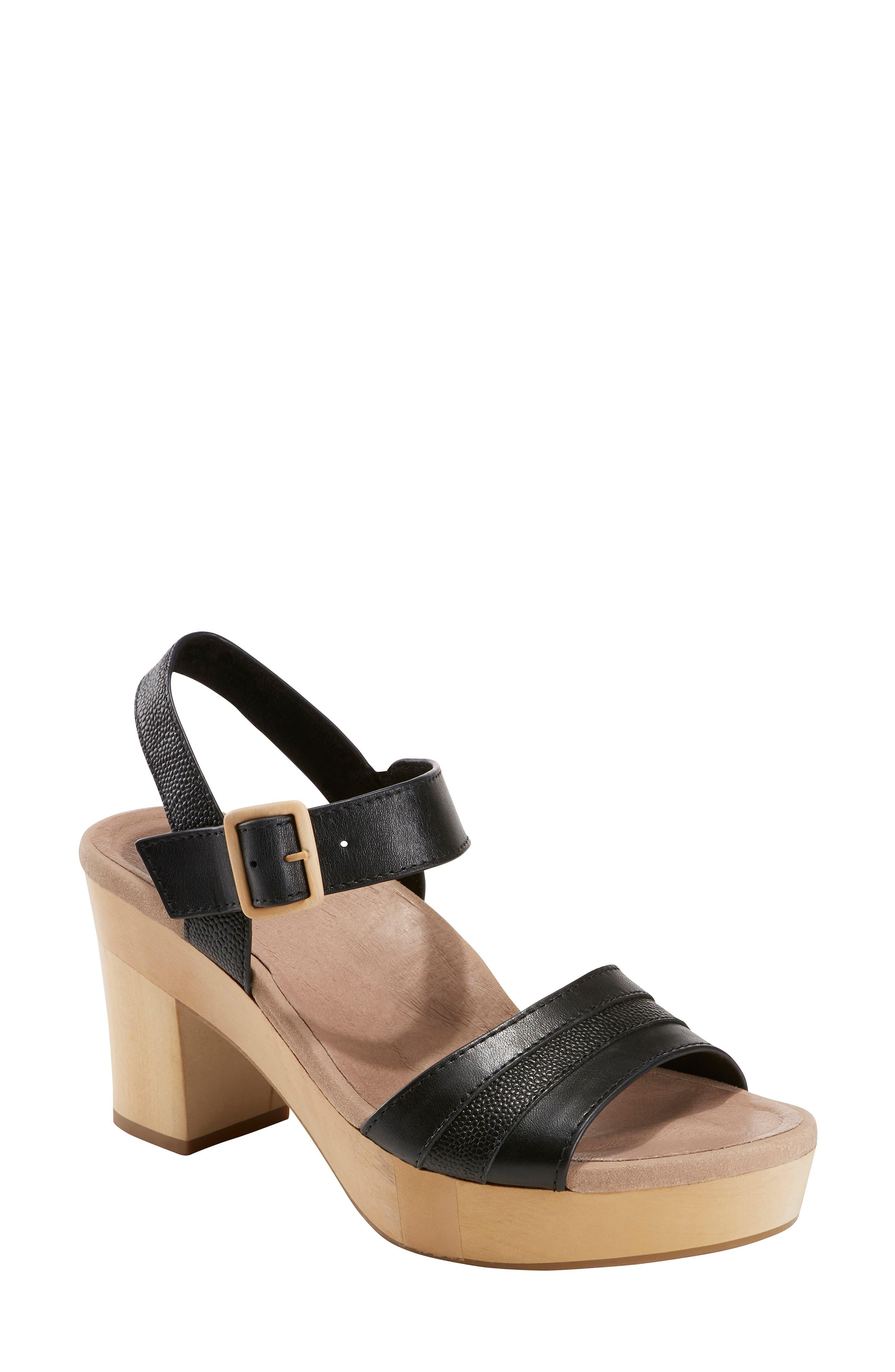 Earth Chestnut Platform Sandal, Black