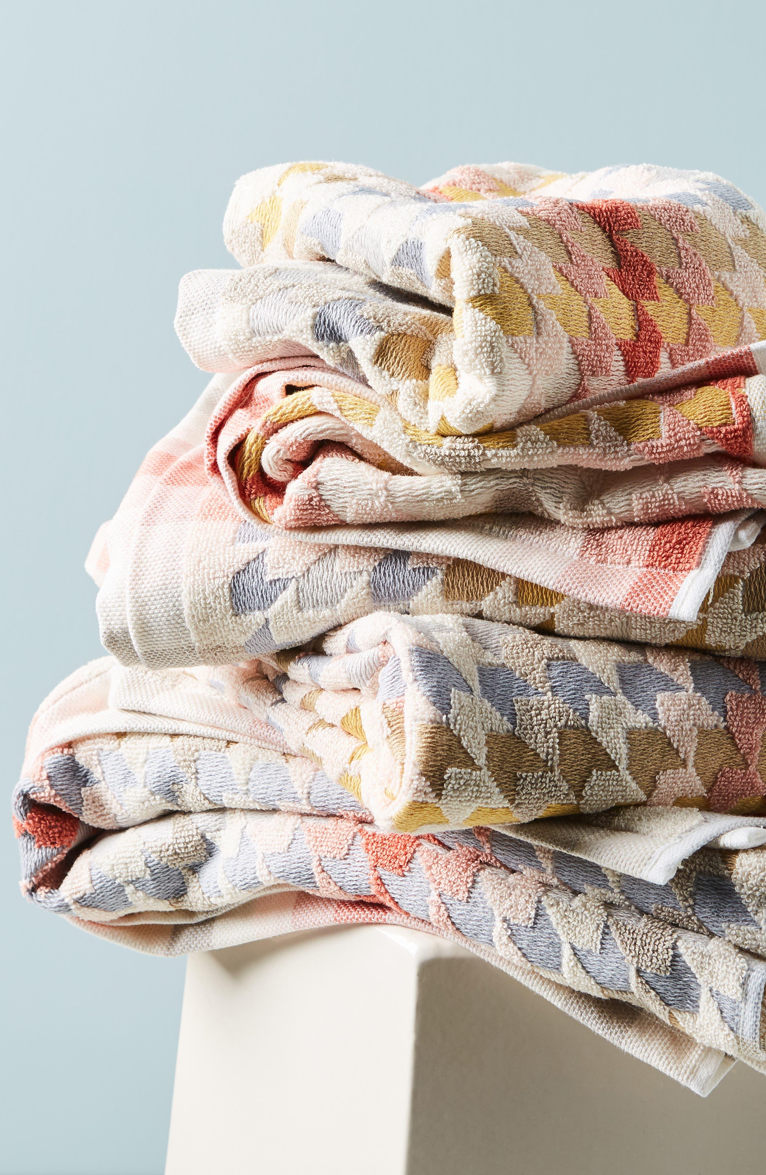 ANTHROPOLOGIE, Noella Bath Towel, Alternate thumbnail 4, color, ORANGE COMBO