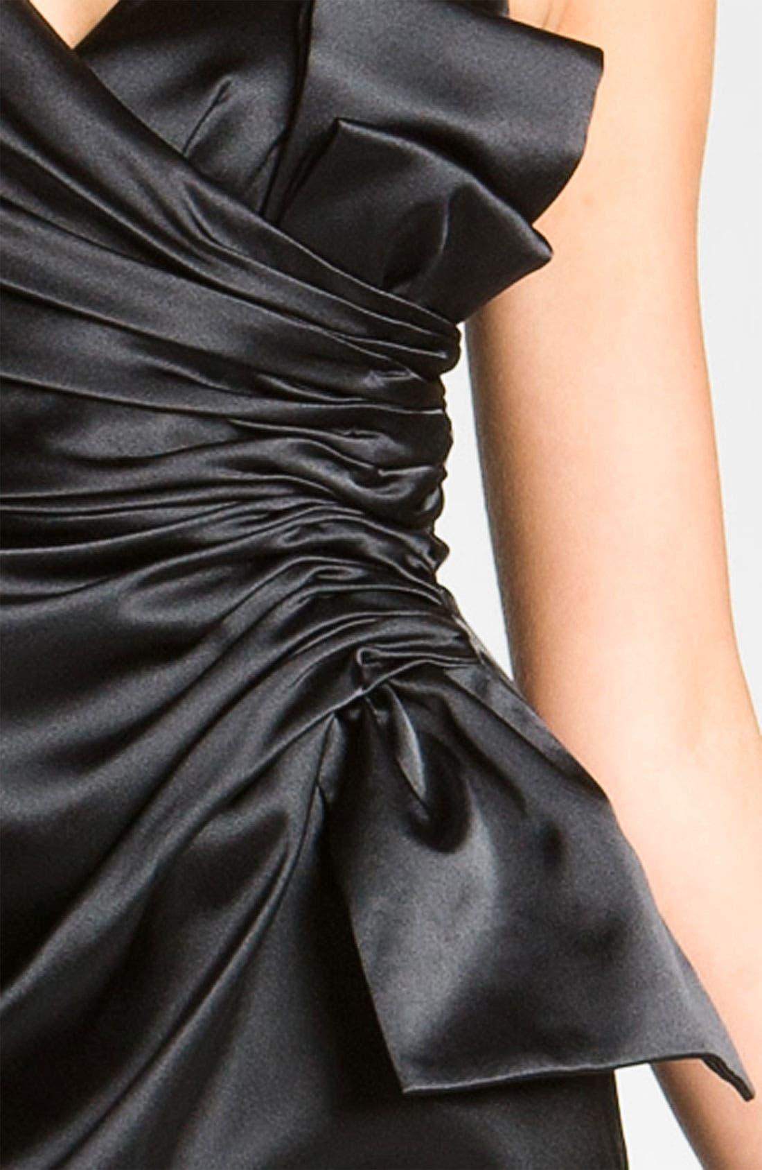 MAGGY LONDON, Side Bow Stretch Satin Sheath Dress, Alternate thumbnail 4, color, 001