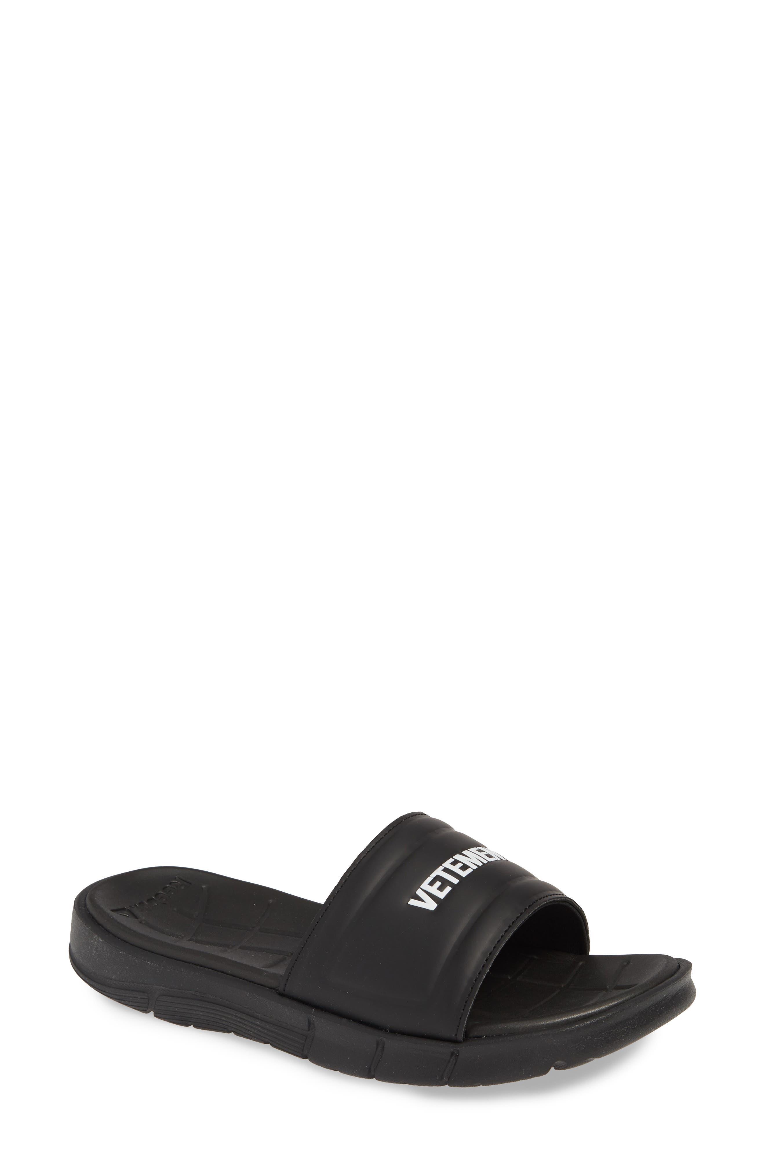 VETEMENTS x Reebok Logo Slide Sandal, Main, color, BLACK/ WHITE