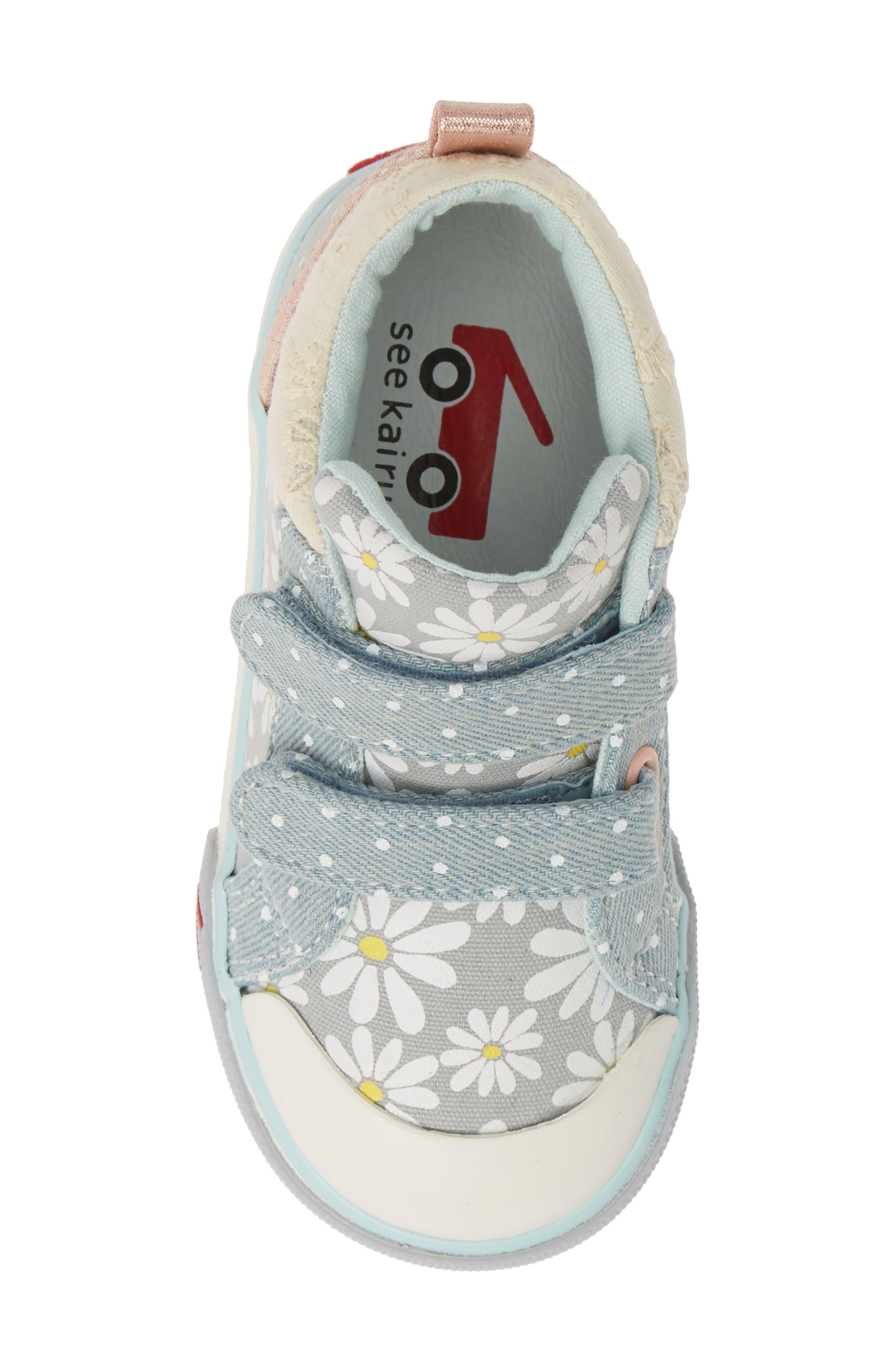 SEE KAI RUN, Kya Sneaker, Alternate thumbnail 5, color, GRAY DAISY