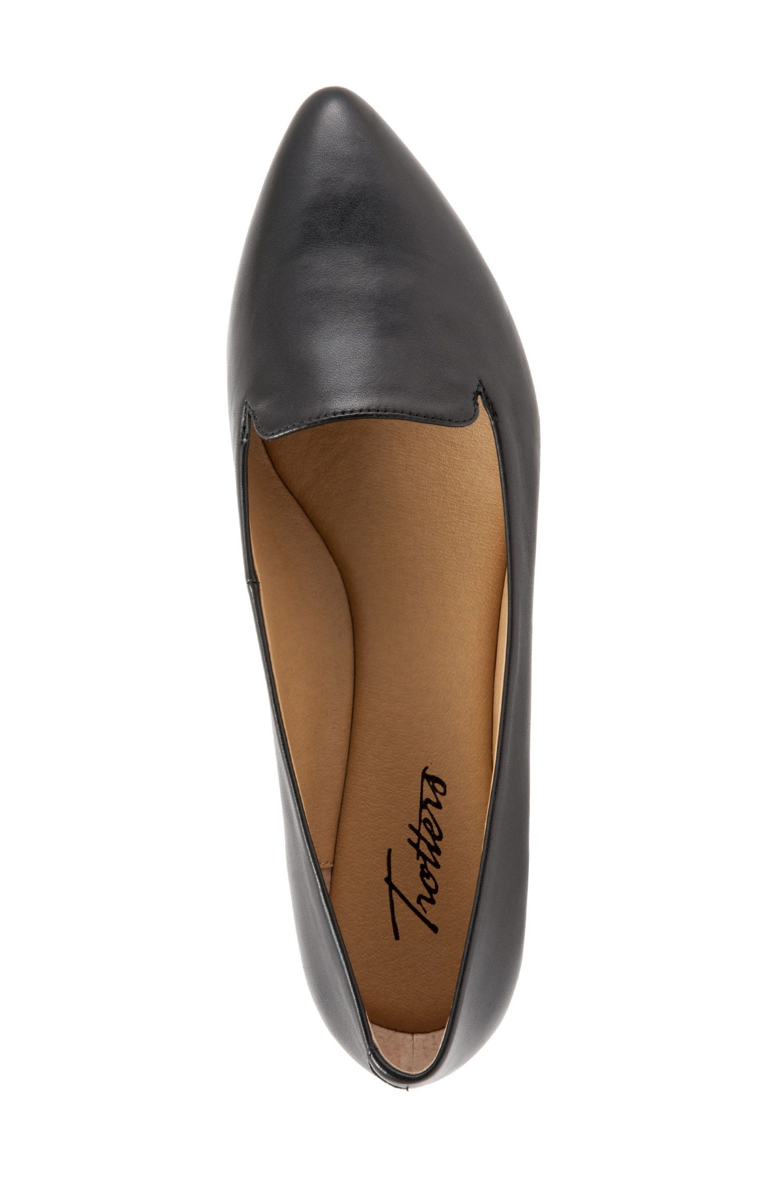 TROTTERS, Harlowe Pointy Toe Loafer, Alternate thumbnail 3, color, BLACK LEATHER