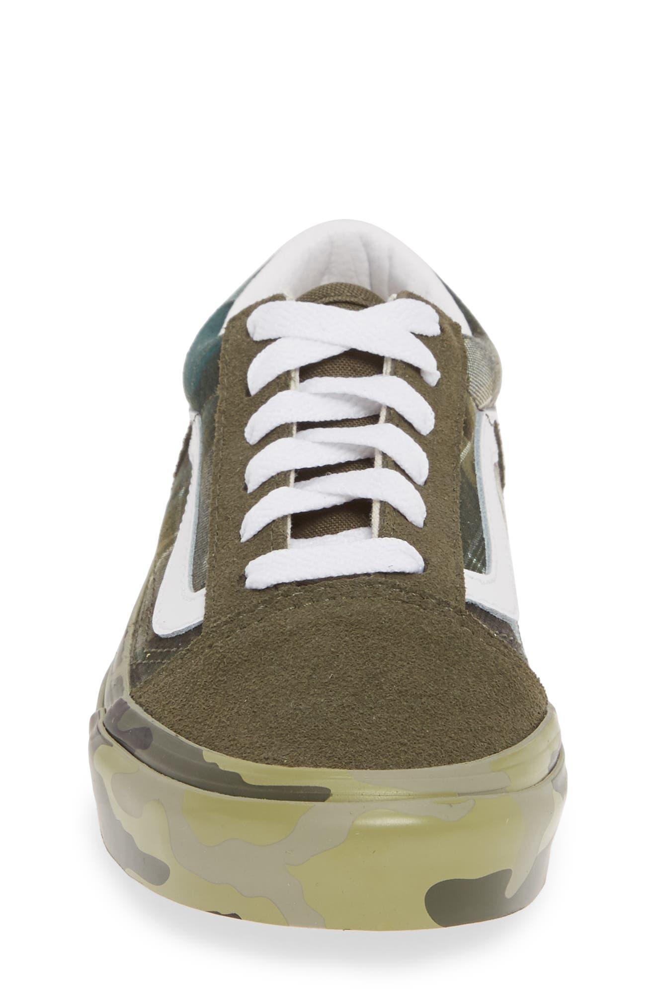 VANS, Old Skool Sneaker, Alternate thumbnail 4, color, PLAID CAMO GRAPE LEAF/ WHITE