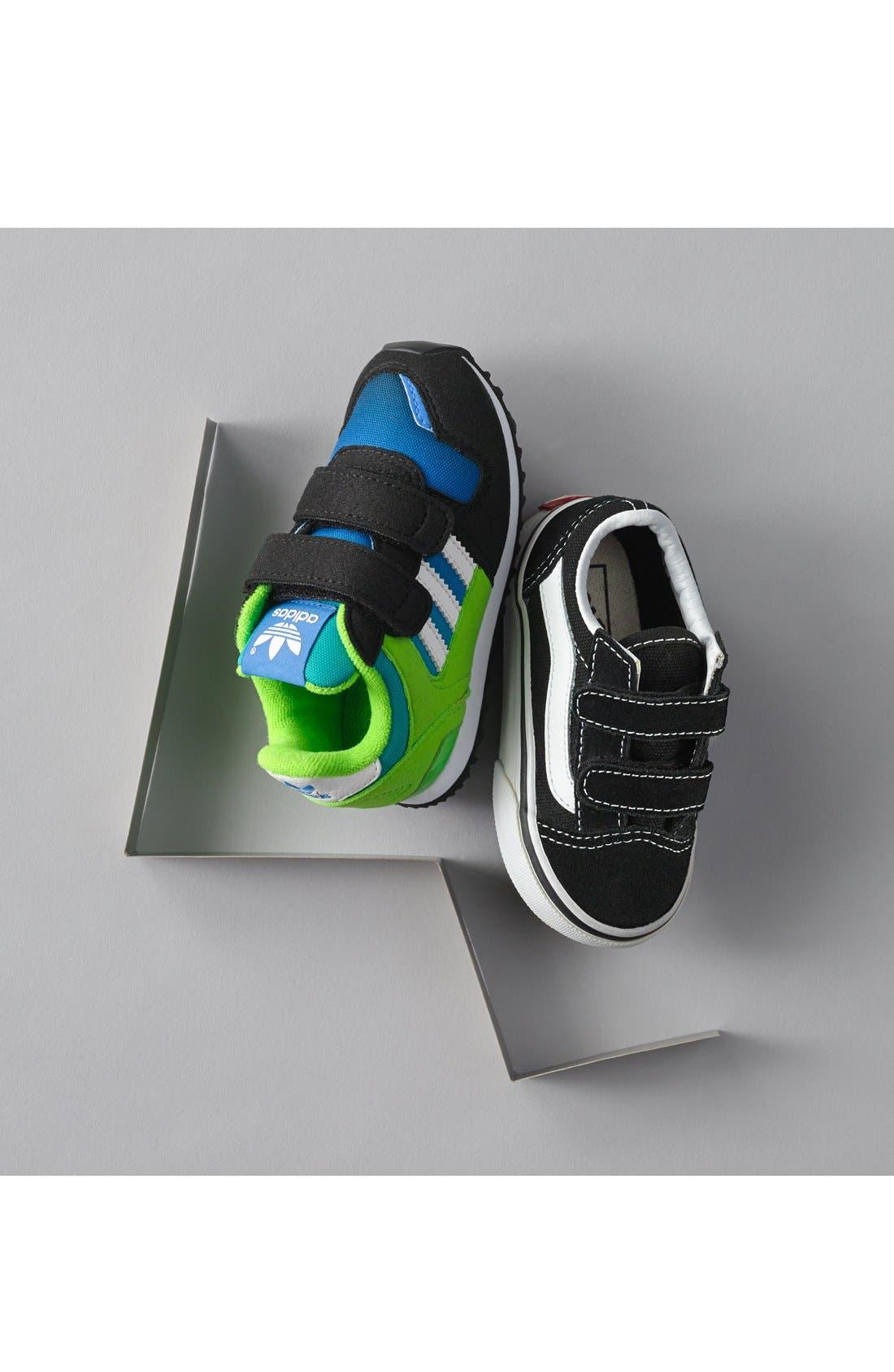 VANS, 'Old Skool V' Sneaker, Alternate thumbnail 9, color, BLACK/ TRUE WHITE