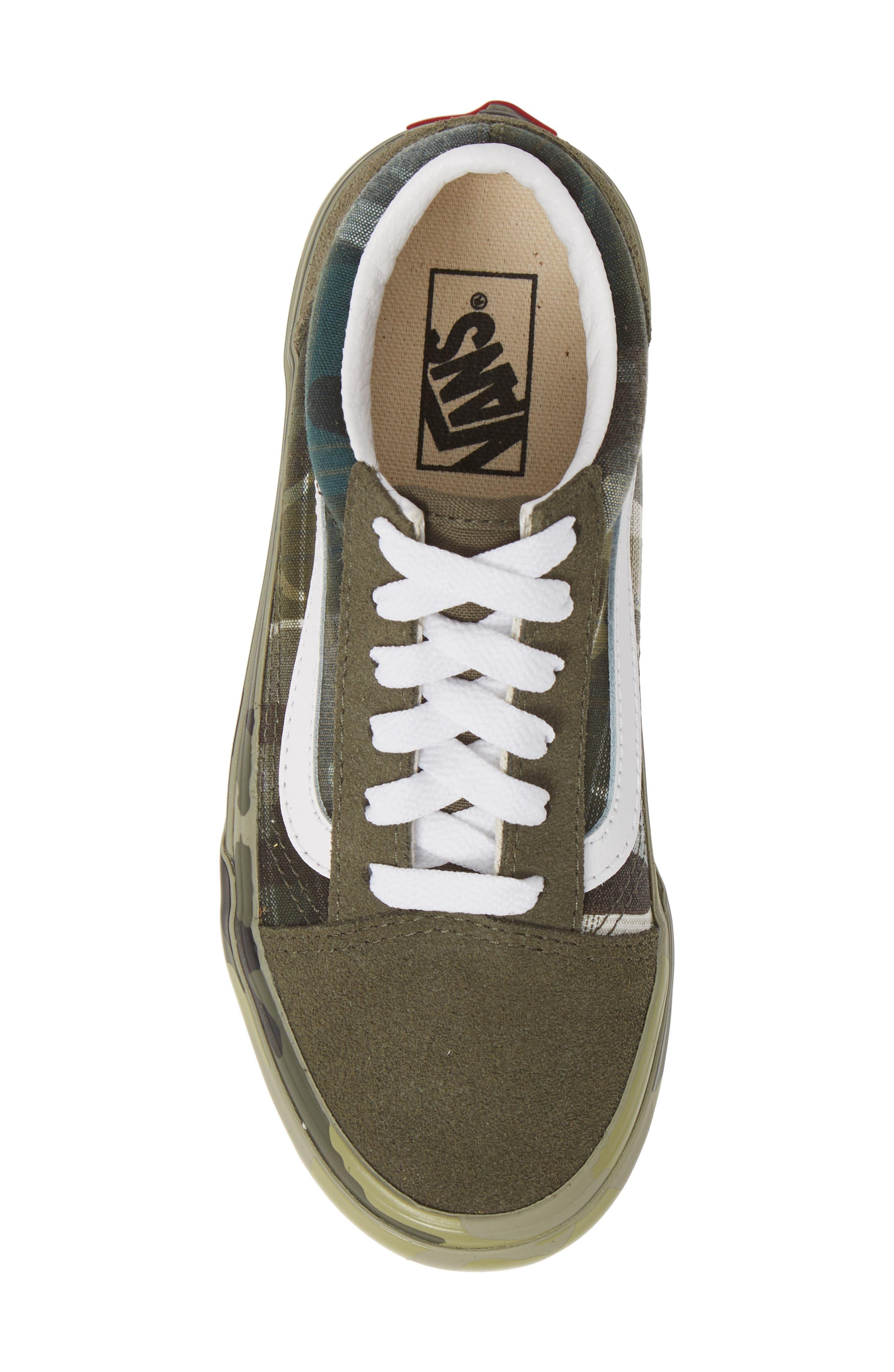 VANS, Old Skool Sneaker, Alternate thumbnail 5, color, PLAID CAMO GRAPE LEAF/ WHITE