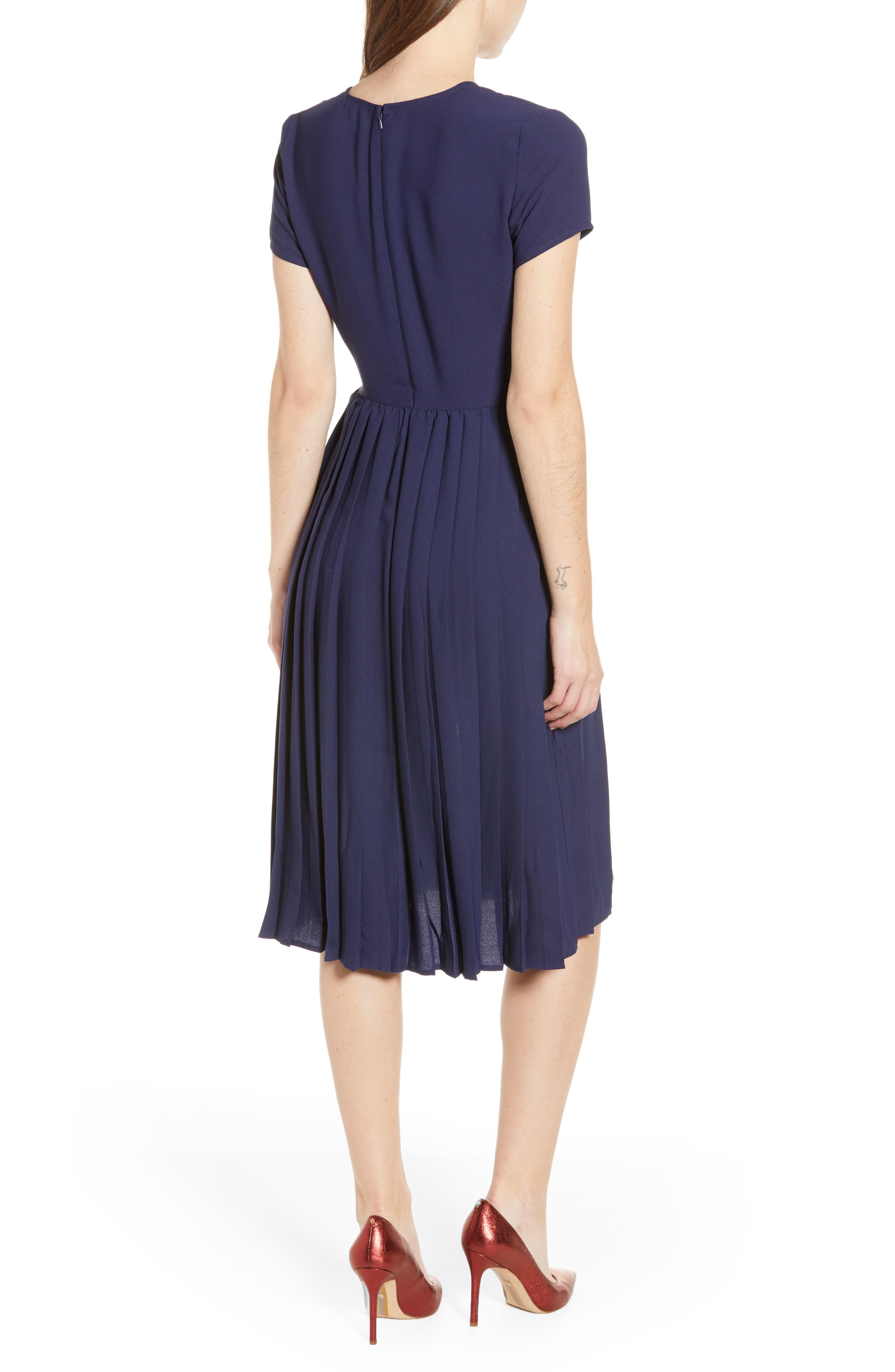 LEITH, Pleated Surplice Dress, Alternate thumbnail 4, color, NAVY PEACOAT