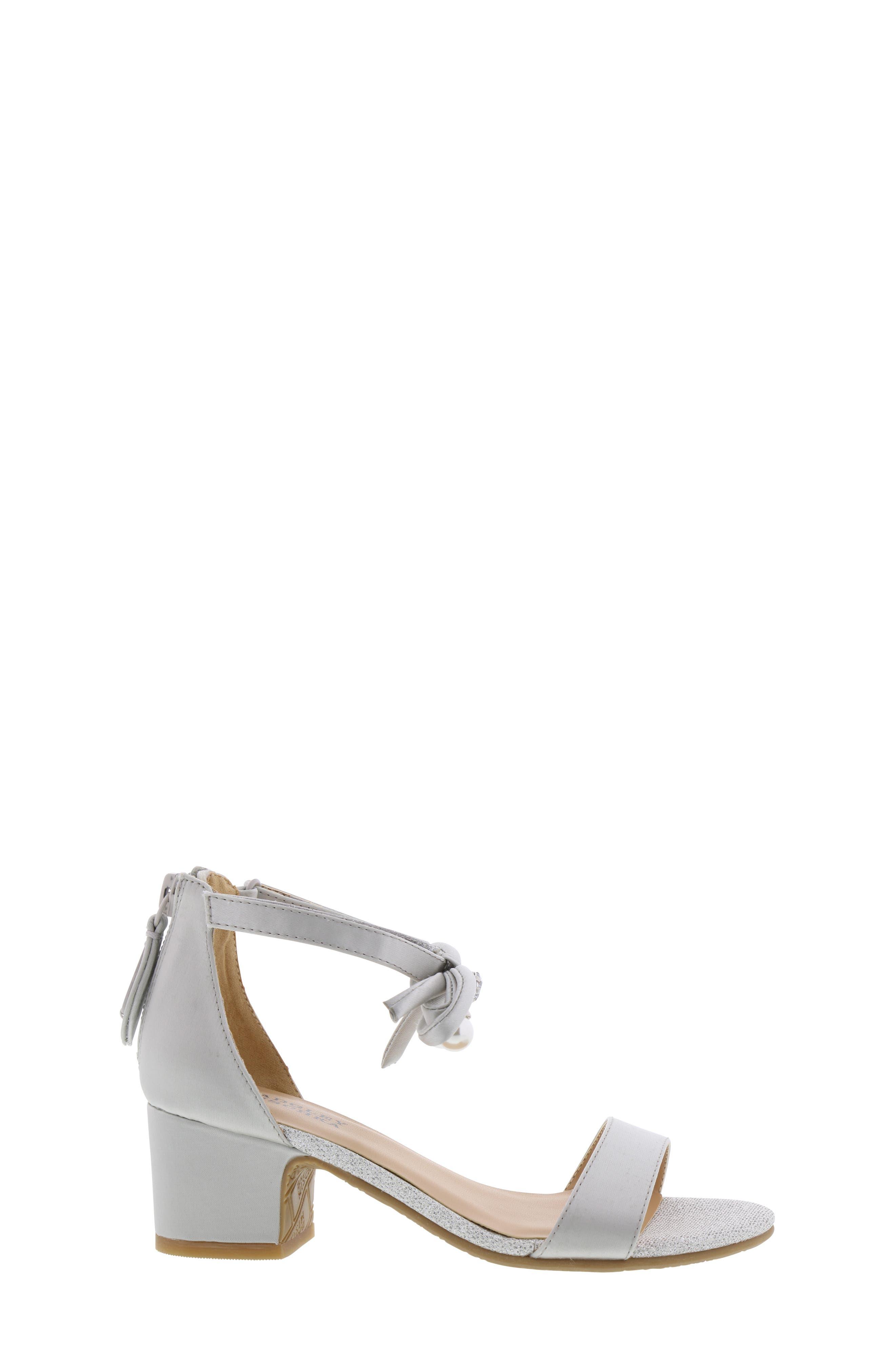 BADGLEY MISCHKA COLLECTION, Badgley Mischka Pernia Embellished Bow Sandal, Alternate thumbnail 3, color, SILVER