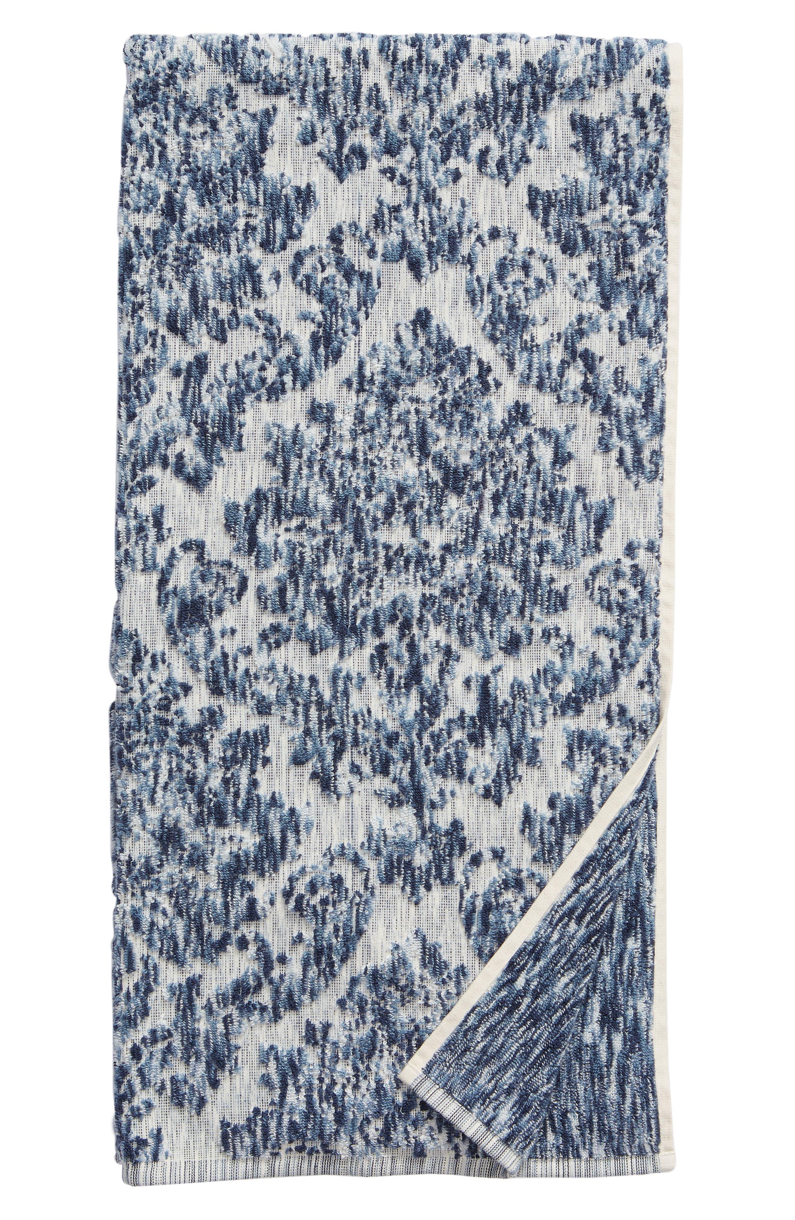 NORDSTROM AT HOME, Easton Bath Towel, Main thumbnail 1, color, BLUE CHAMBRAY MULTI