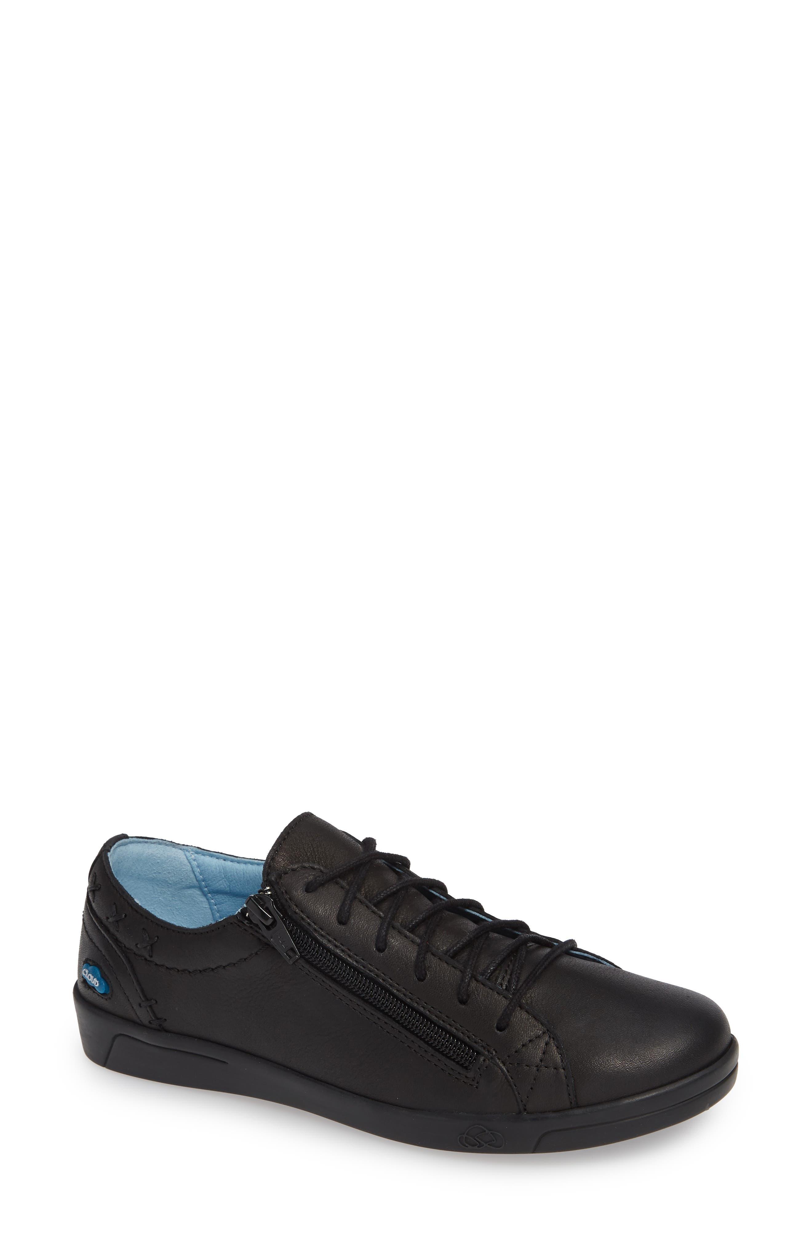 CLOUD 'Aika' Leather Sneaker, Main, color, 004