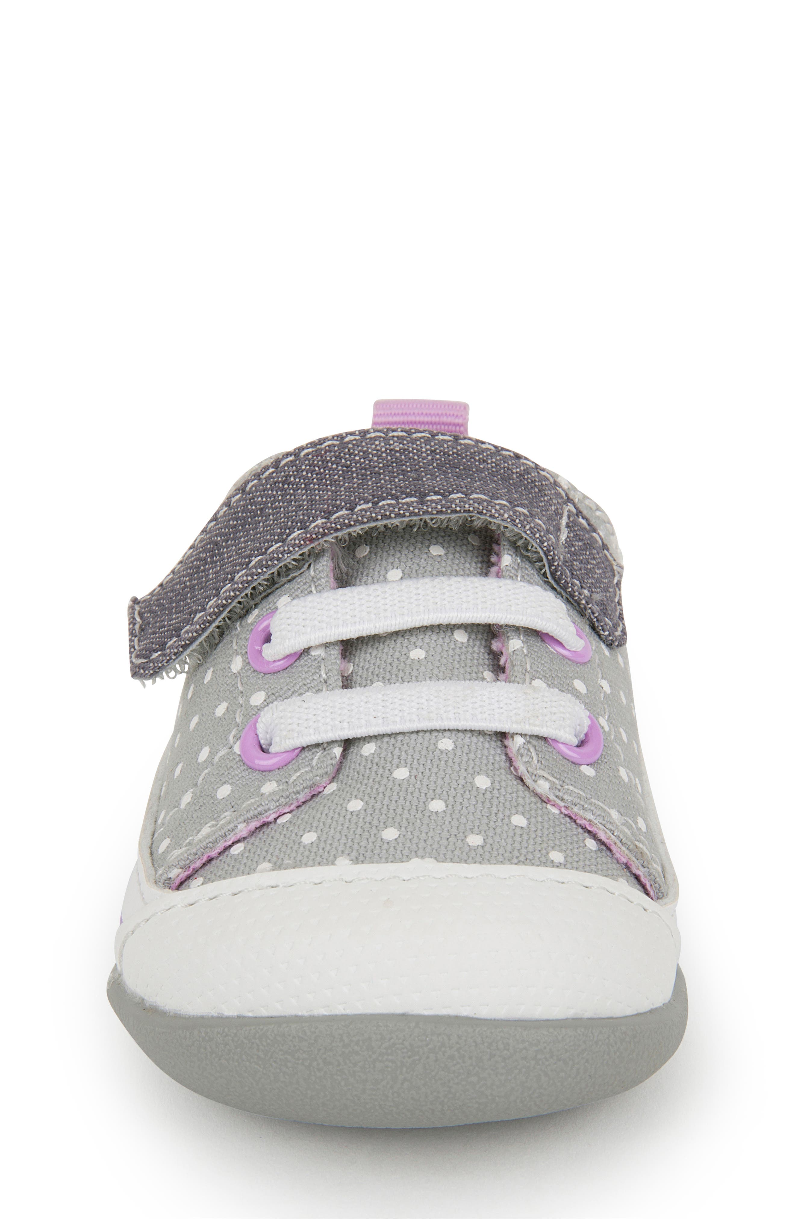 SEE KAI RUN, Stevie II Sneaker, Alternate thumbnail 4, color, GREY DOTS