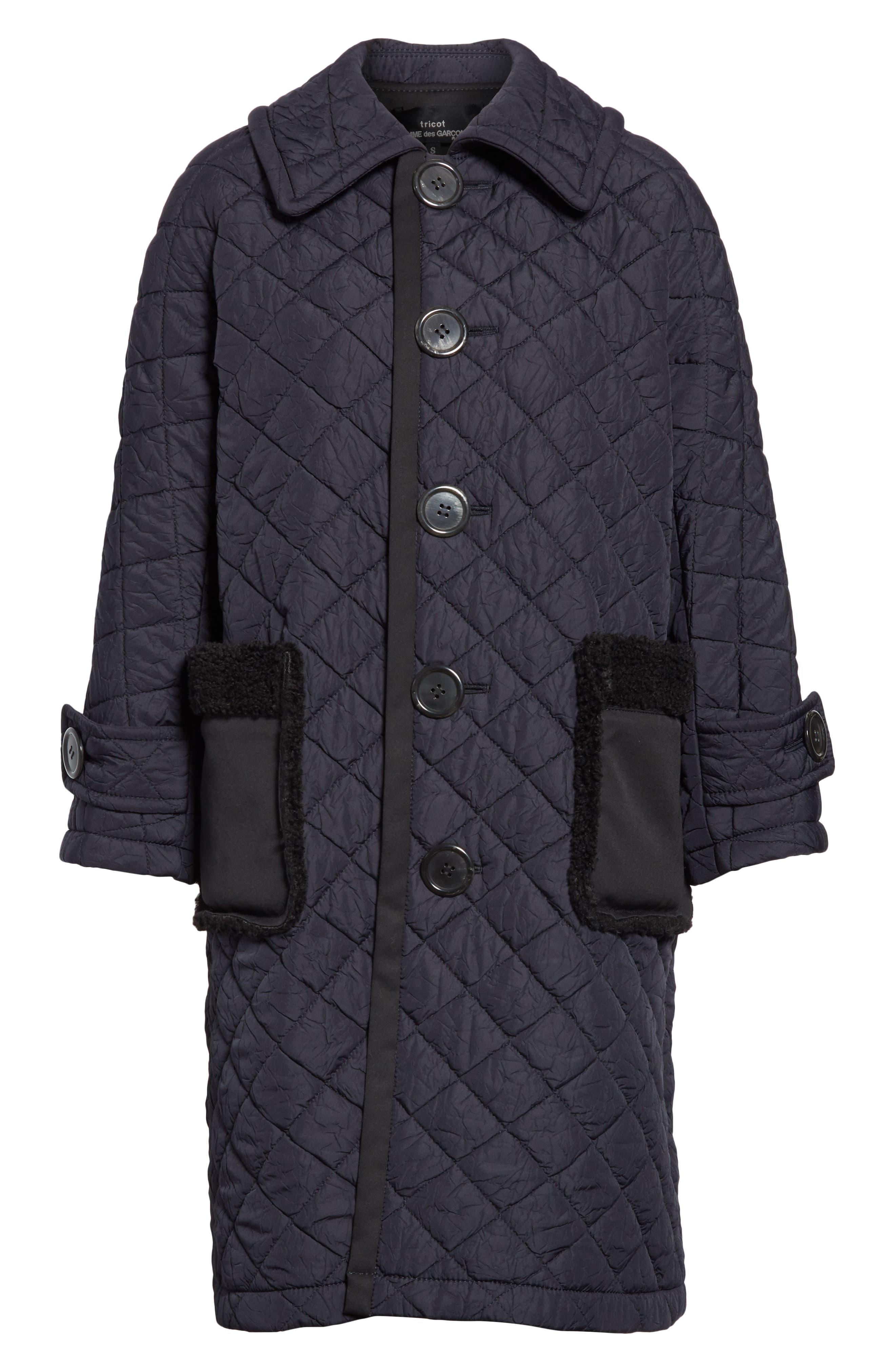 TRICOT COMME DES GARÇONS, Quilted Coat with Faux Fur Trim, Alternate thumbnail 6, color, NAVY X BLACK