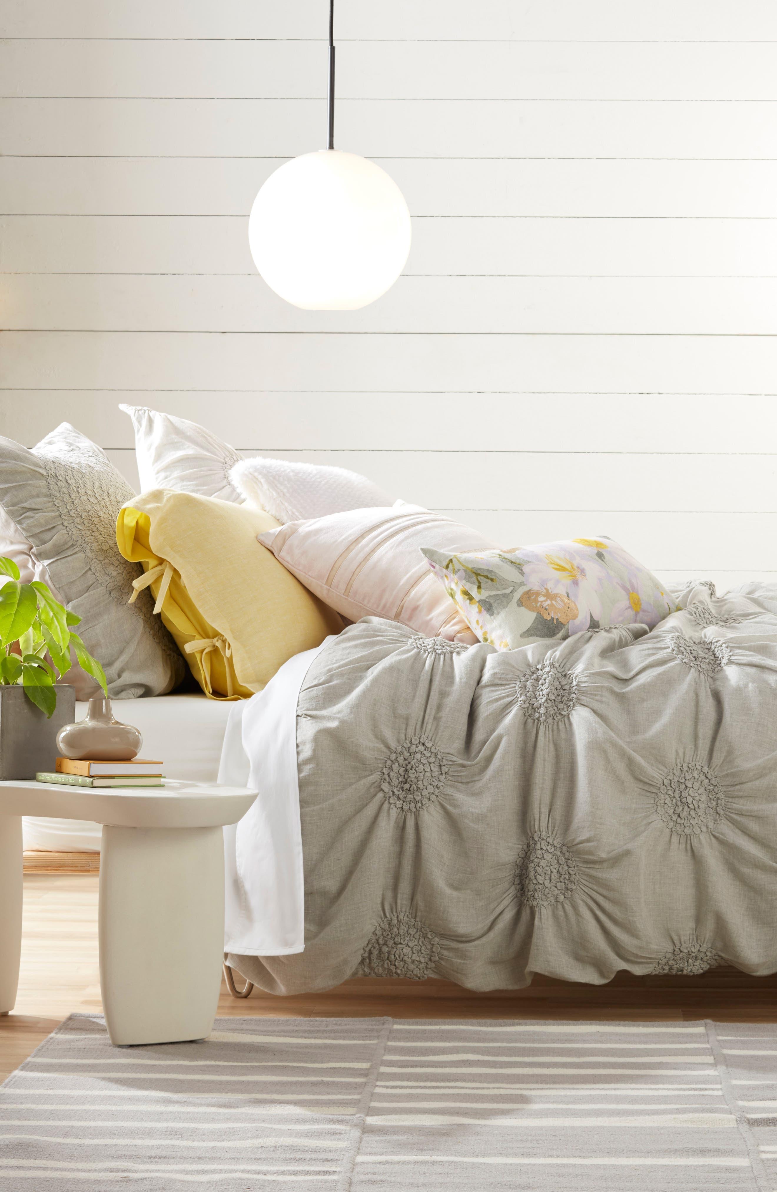 NORDSTROM AT HOME, Floral Linen Accent Pillow, Alternate thumbnail 4, color, GREY VAPOR MULTI
