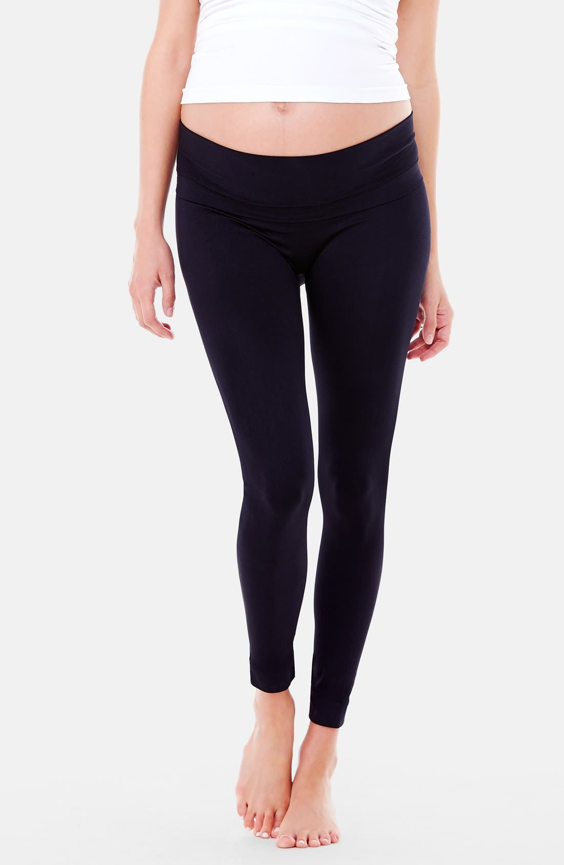 INGRID & ISABEL<SUP>®</SUP> 'Everyday' Seamless Maternity Leggings, Main, color, 001
