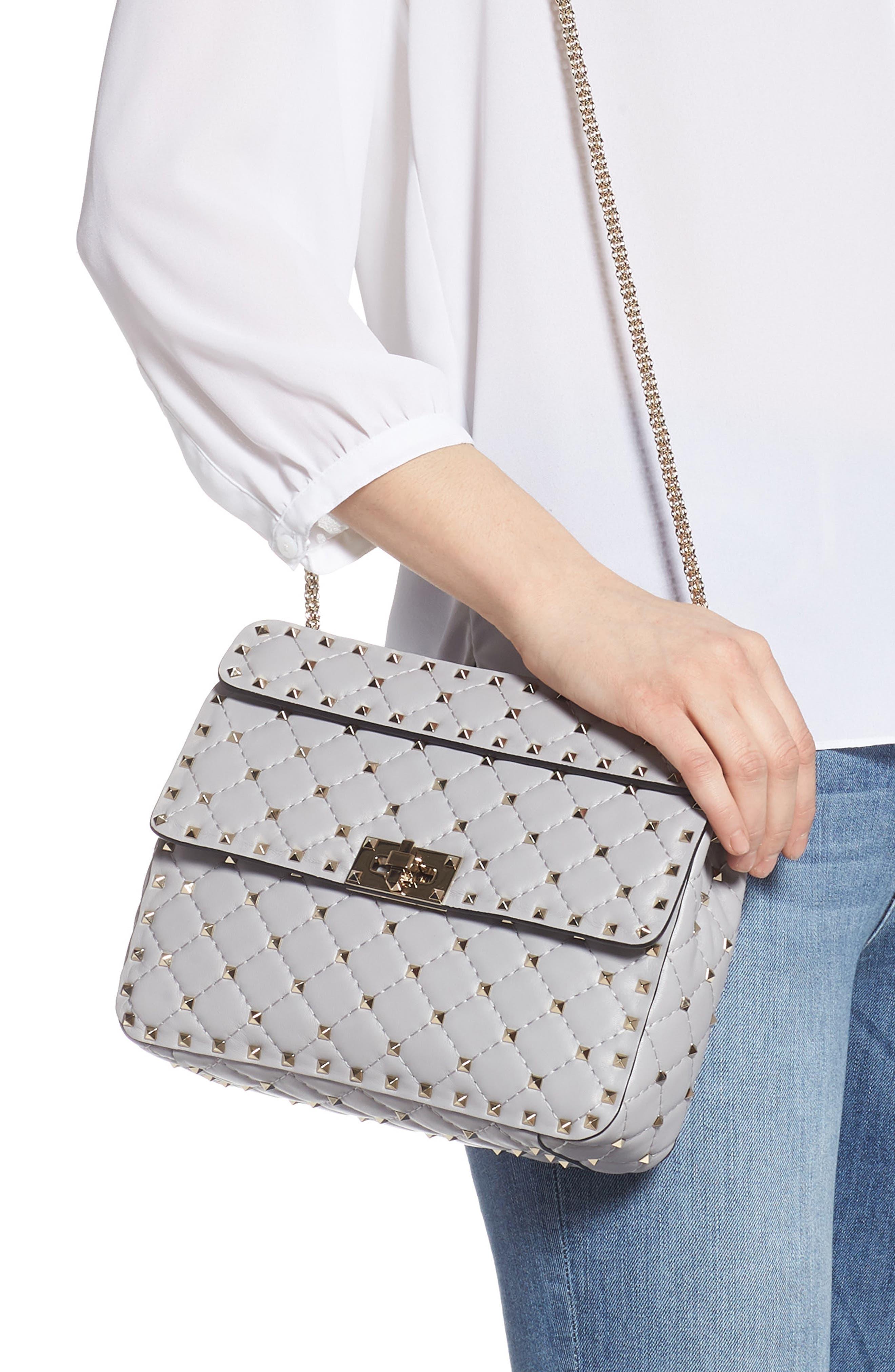 VALENTINO GARAVANI, Medium Rockstud Matelassé Quilted Leather Crossbody Bag, Alternate thumbnail 3, color, PASTEL GREY