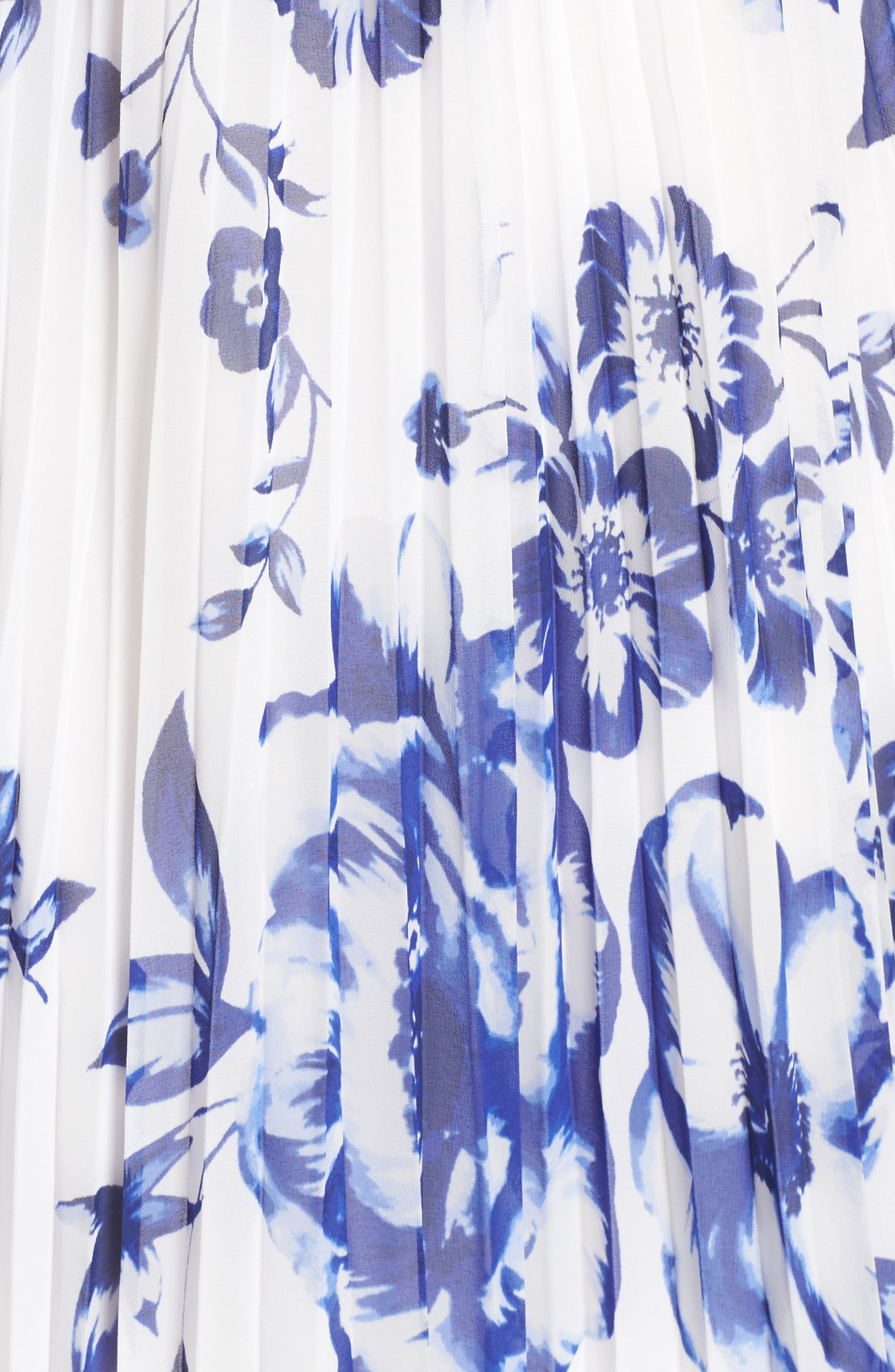 ELIZA J, Pleated Floral Chiffon Maxi Dress, Alternate thumbnail 6, color, COBALT