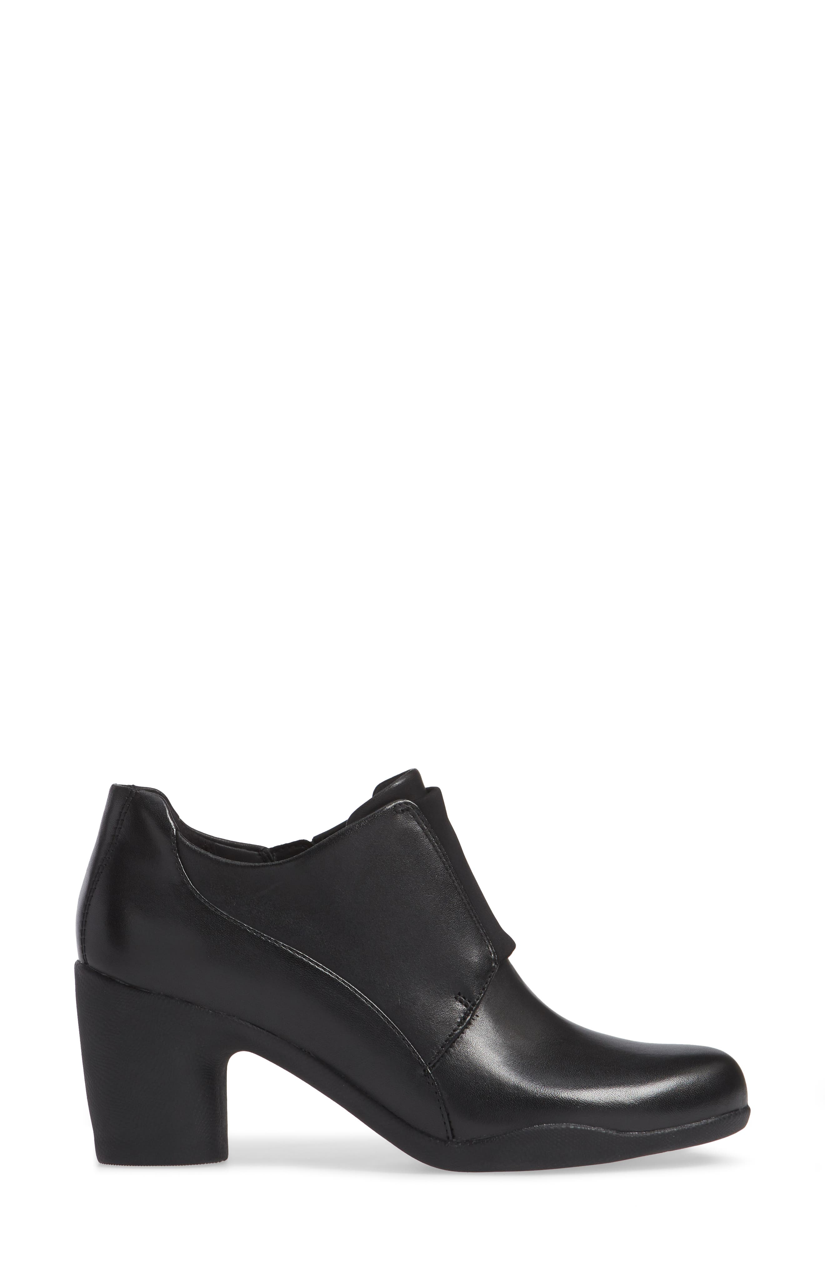 CLARKS<SUP>®</SUP>, Un Rosa Zip Bootie, Alternate thumbnail 3, color, BLACK LEATHER