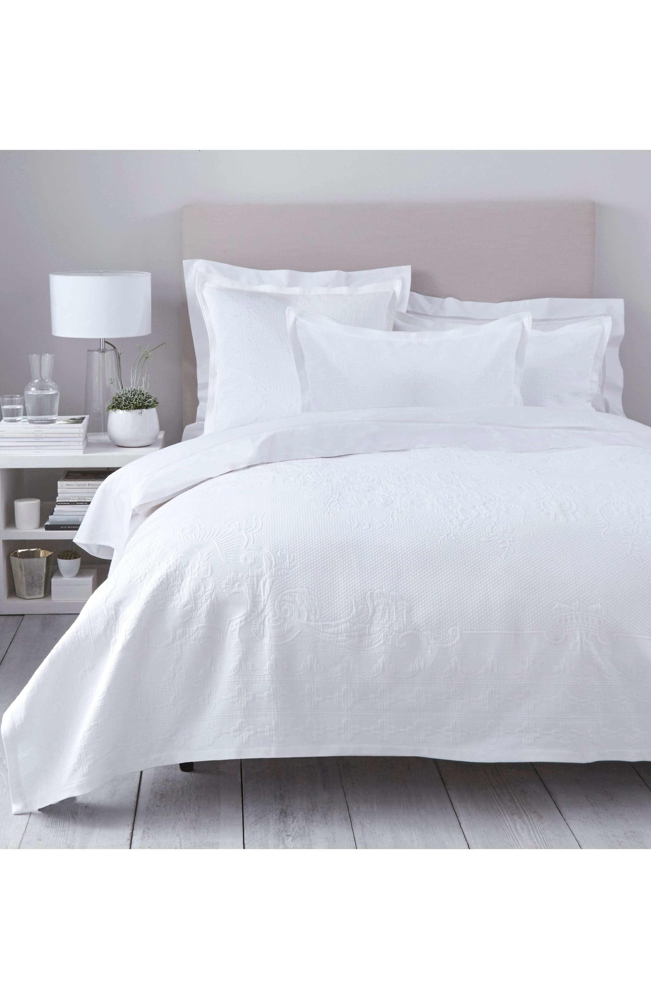 THE WHITE COMPANY Vintage Etienne Bedspread, Main, color, WHITE